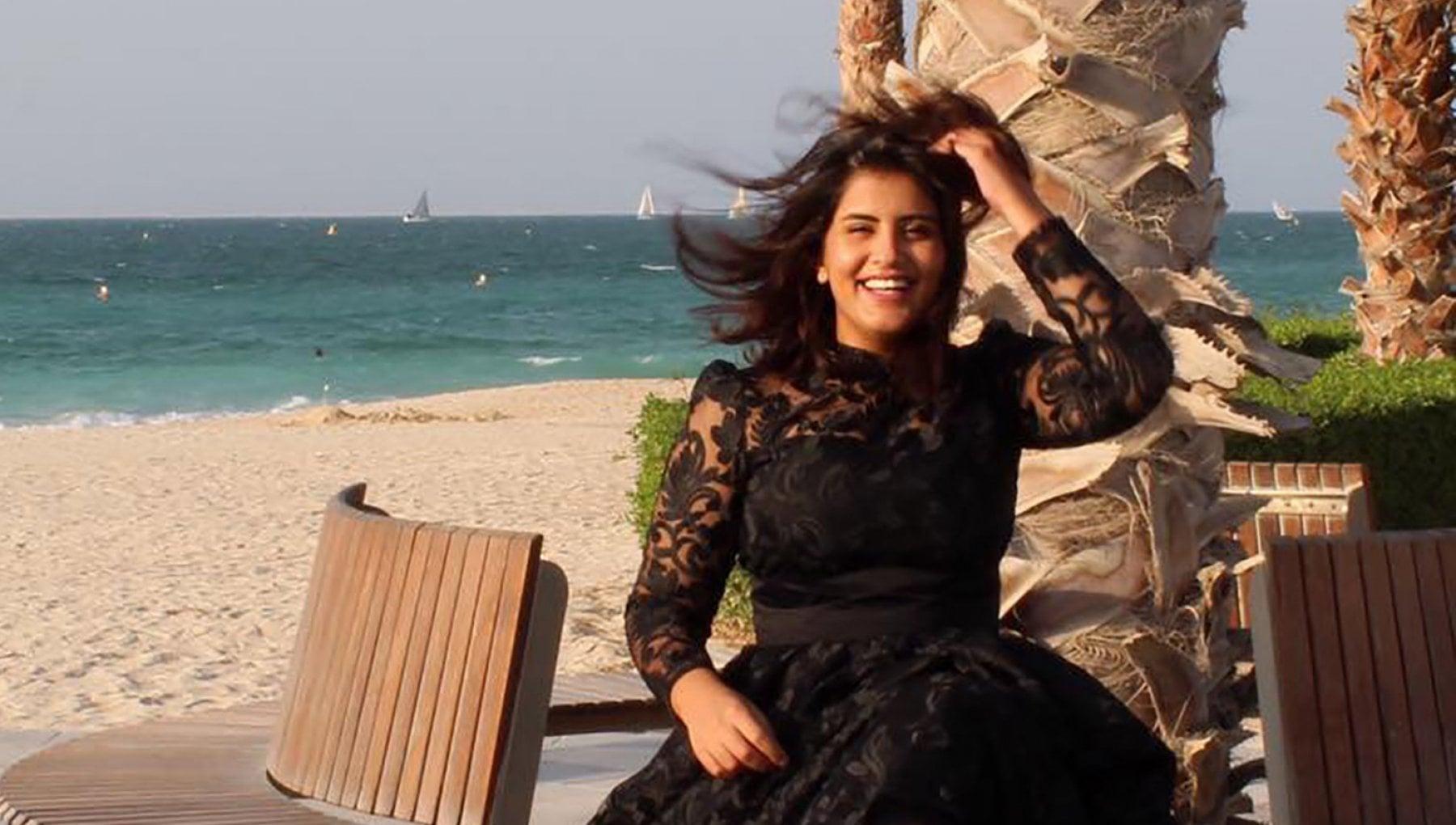 Arabia Saudita condannata a 5 anni Loujain al Hathloul attivista per i diritti delle donne