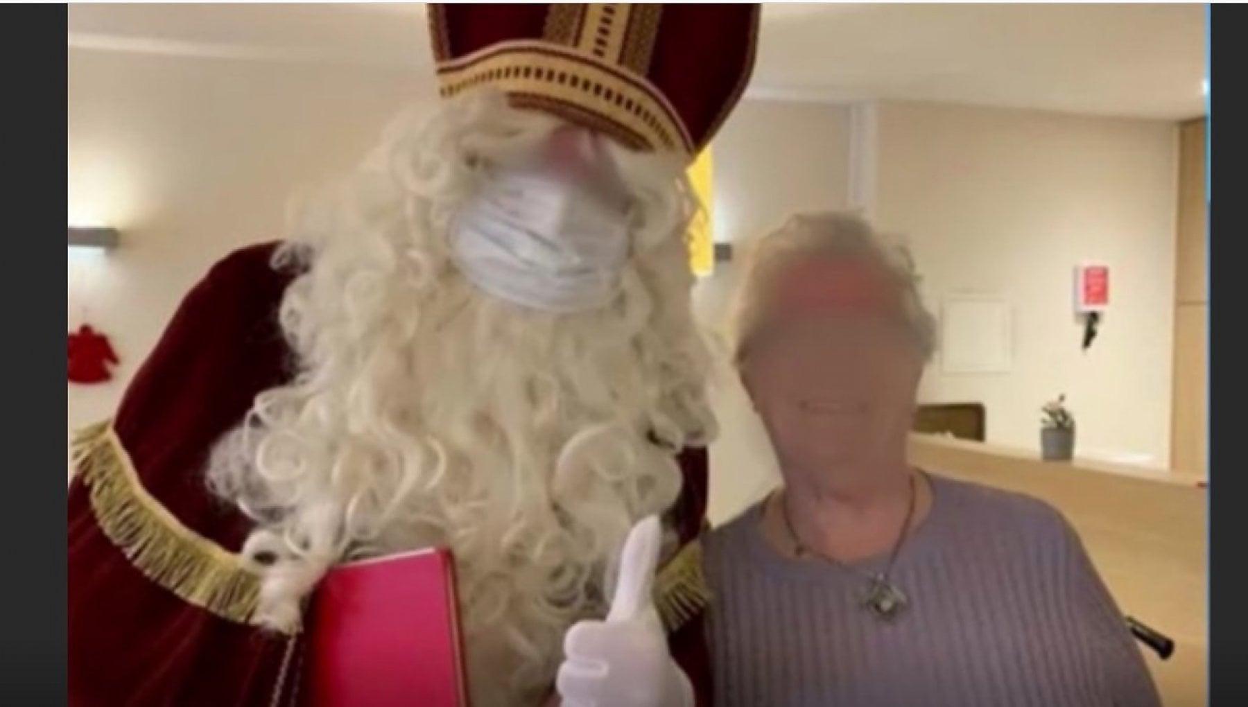 Babbo Natale visita una casa di riposo 26 vittime di Covid in Belgio