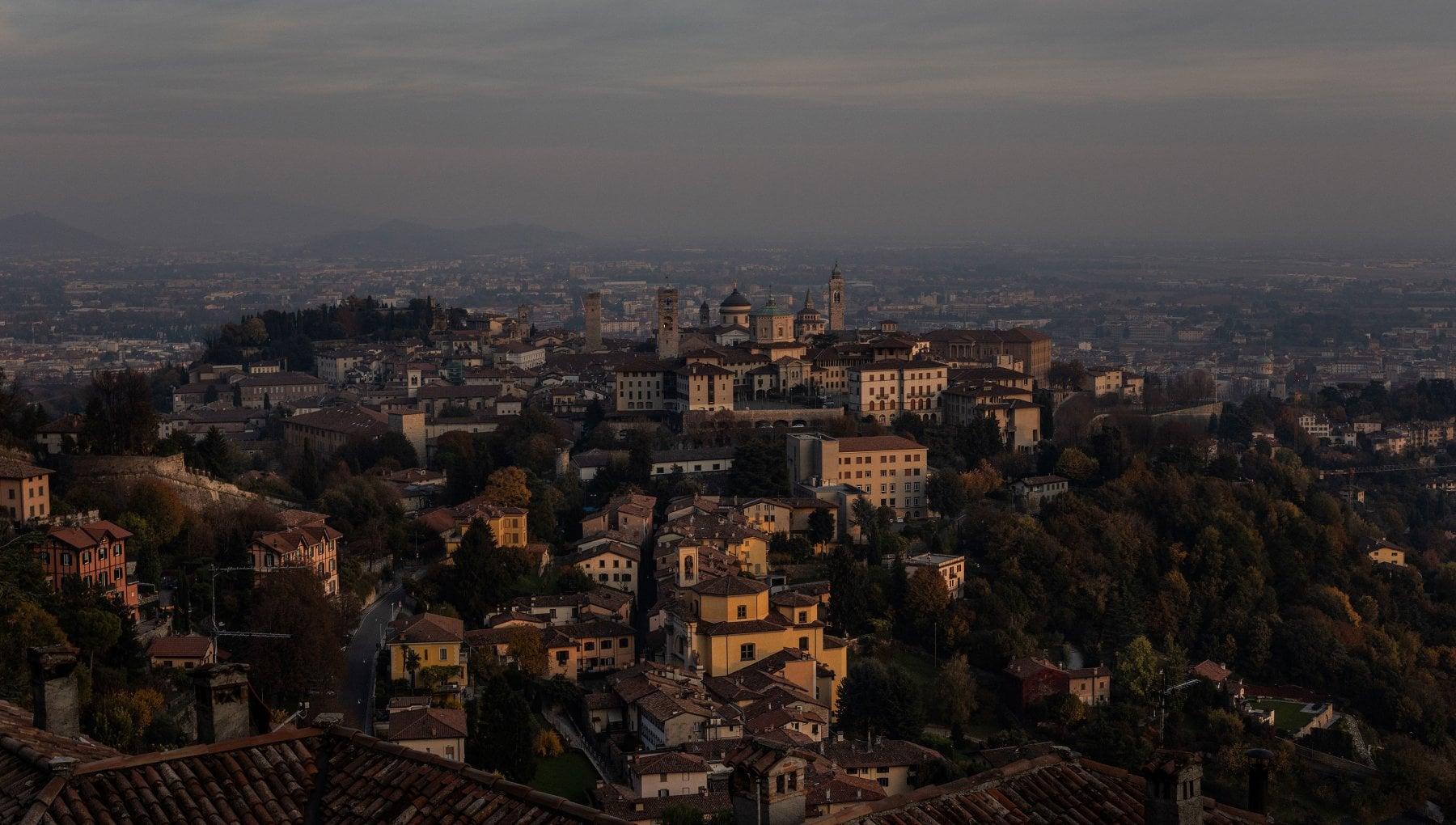 Bergamo addio ai monti la Coppa del mondo di snowboard cross si fara nel centro storico. Ma e scontro