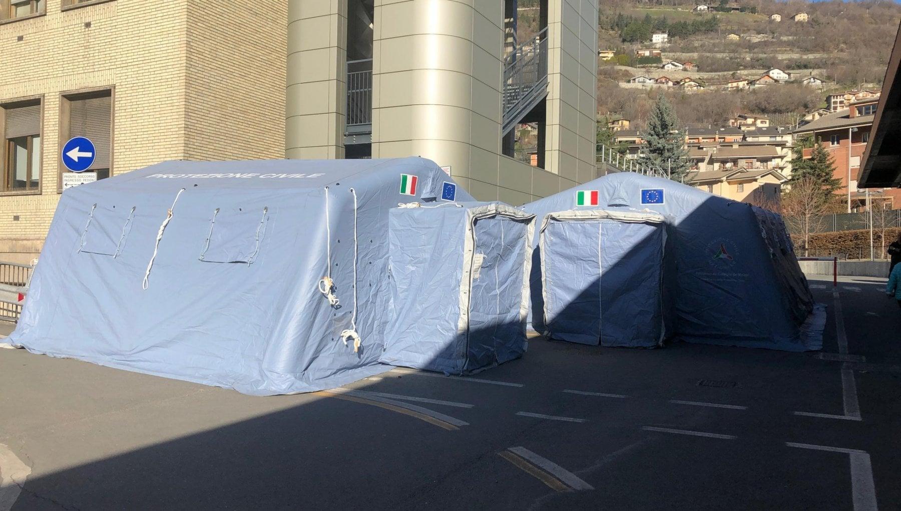 Boom di falsi positivi ad Aosta pazienti sani ricoverati nei reparti Covid e ora ce il rischio che siano contagiati