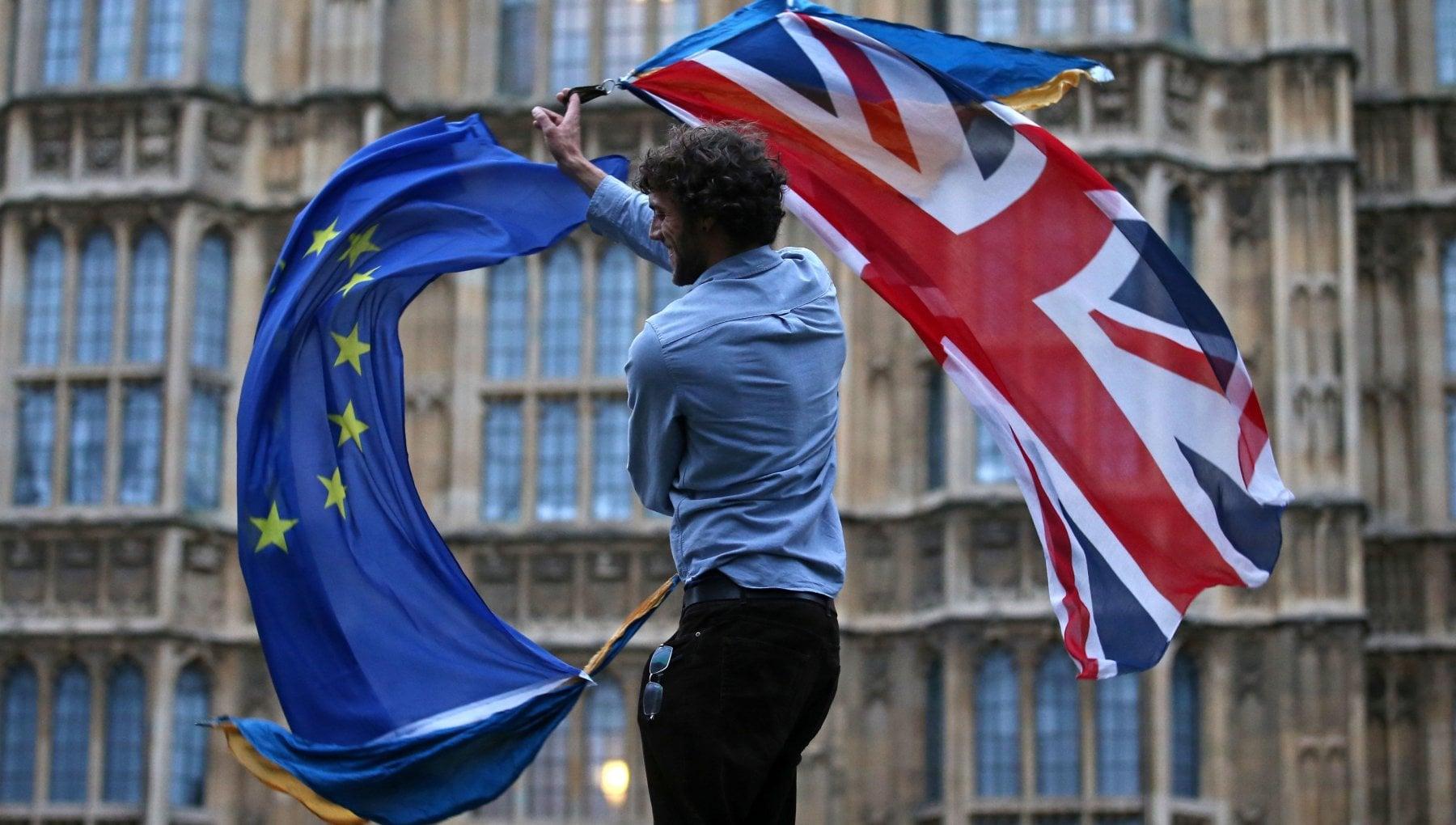 Brexit Johnson Laccordo e fatto e Von der Leyen Finalmente ce la lasciamo alle spalle