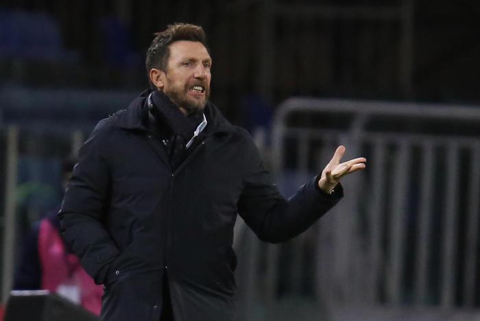 Cagliari Di Francesco sfida alla pari col Verona
