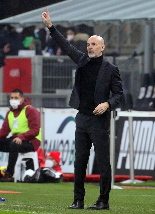 Calcio dopo Natale in vetta Milan torna al lavoro