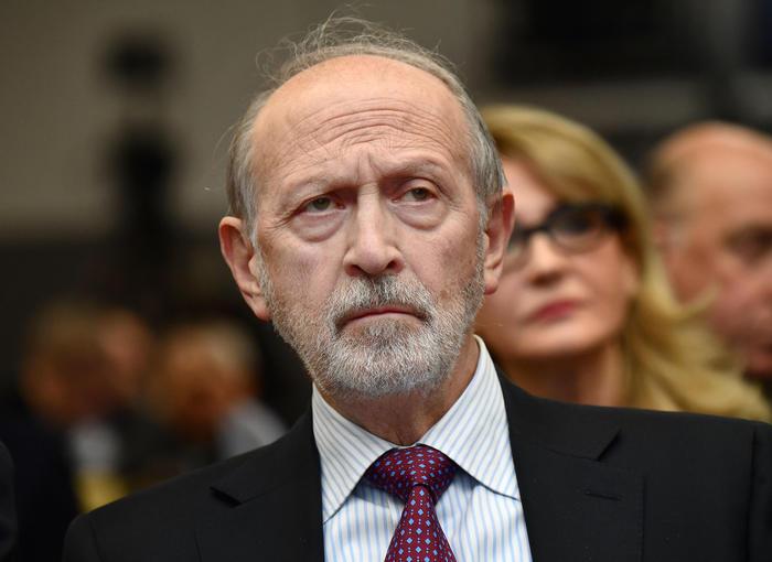 Carige morto il presidente Calandra Buonaura