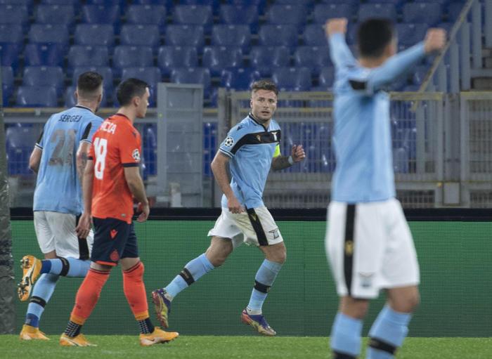 Champions 2 2 col Bruges Lazio agli ottavi