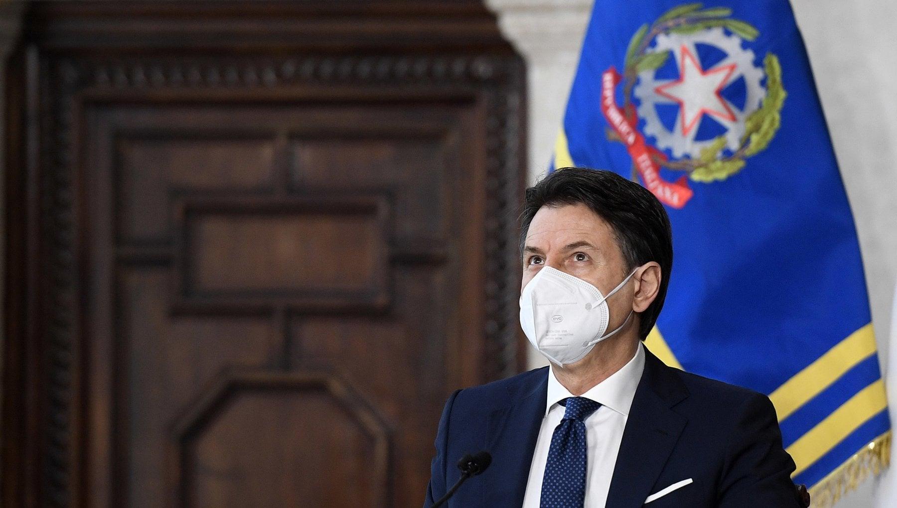 Conte agli italiani Abbiamo affrontato un anno difficilissimo. Ora riprendiamoci le nostre vite