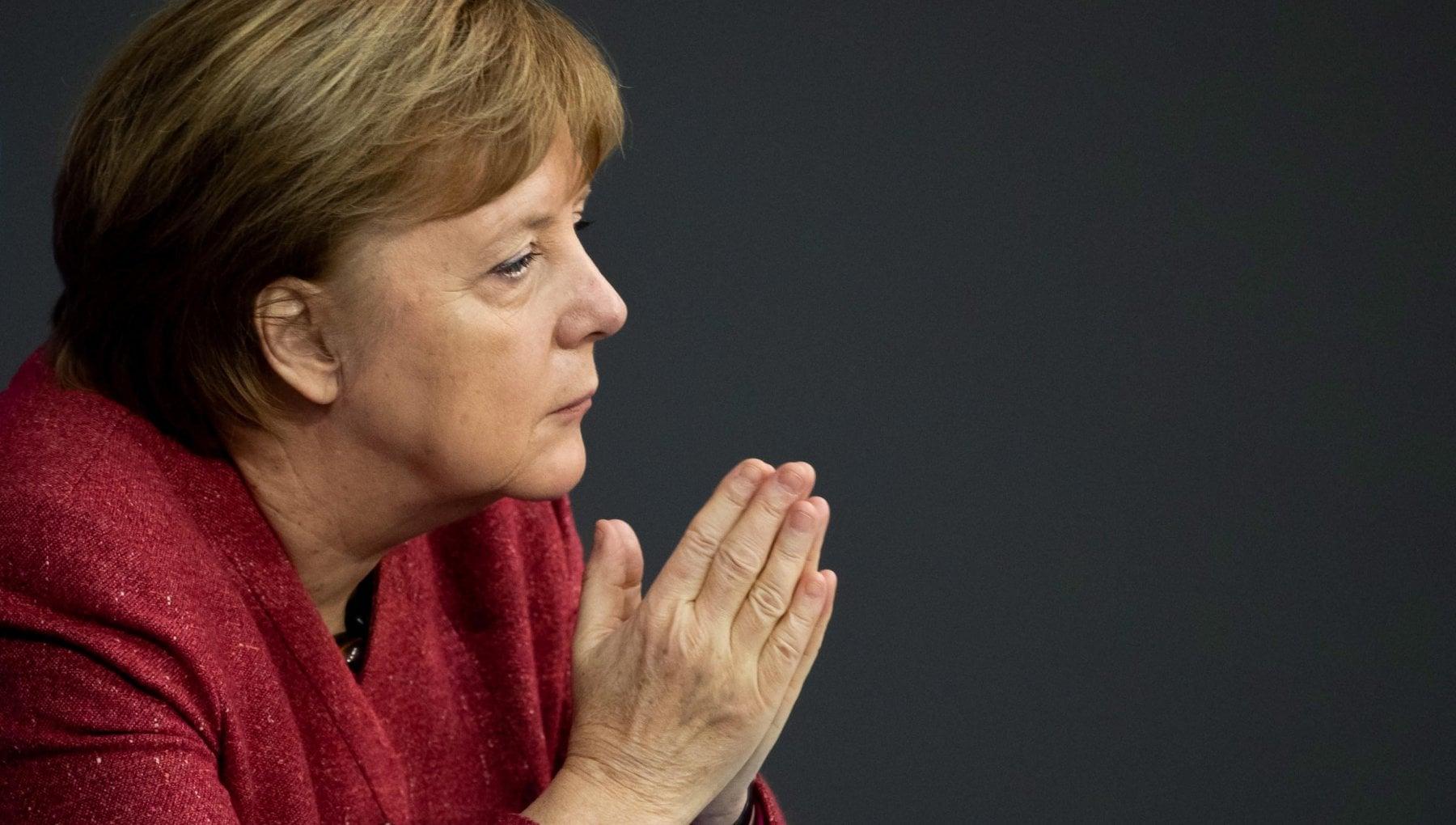 Coronavirus Merkel implora State a casa
