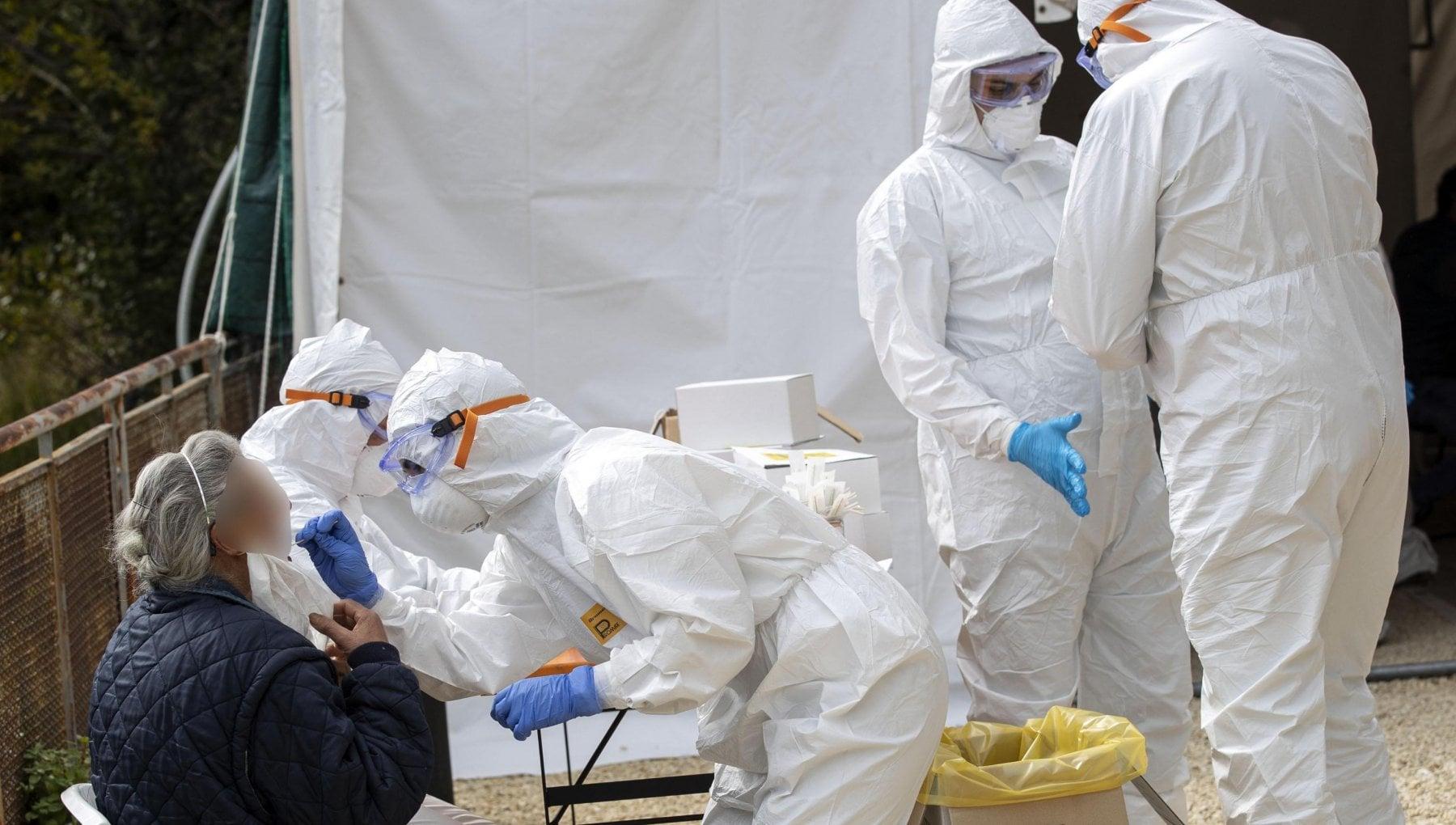 Coronavirus il bollettino di oggi 19 dicembre 16.308 nuovi casi con 176.185 tamponi e 553 decessi