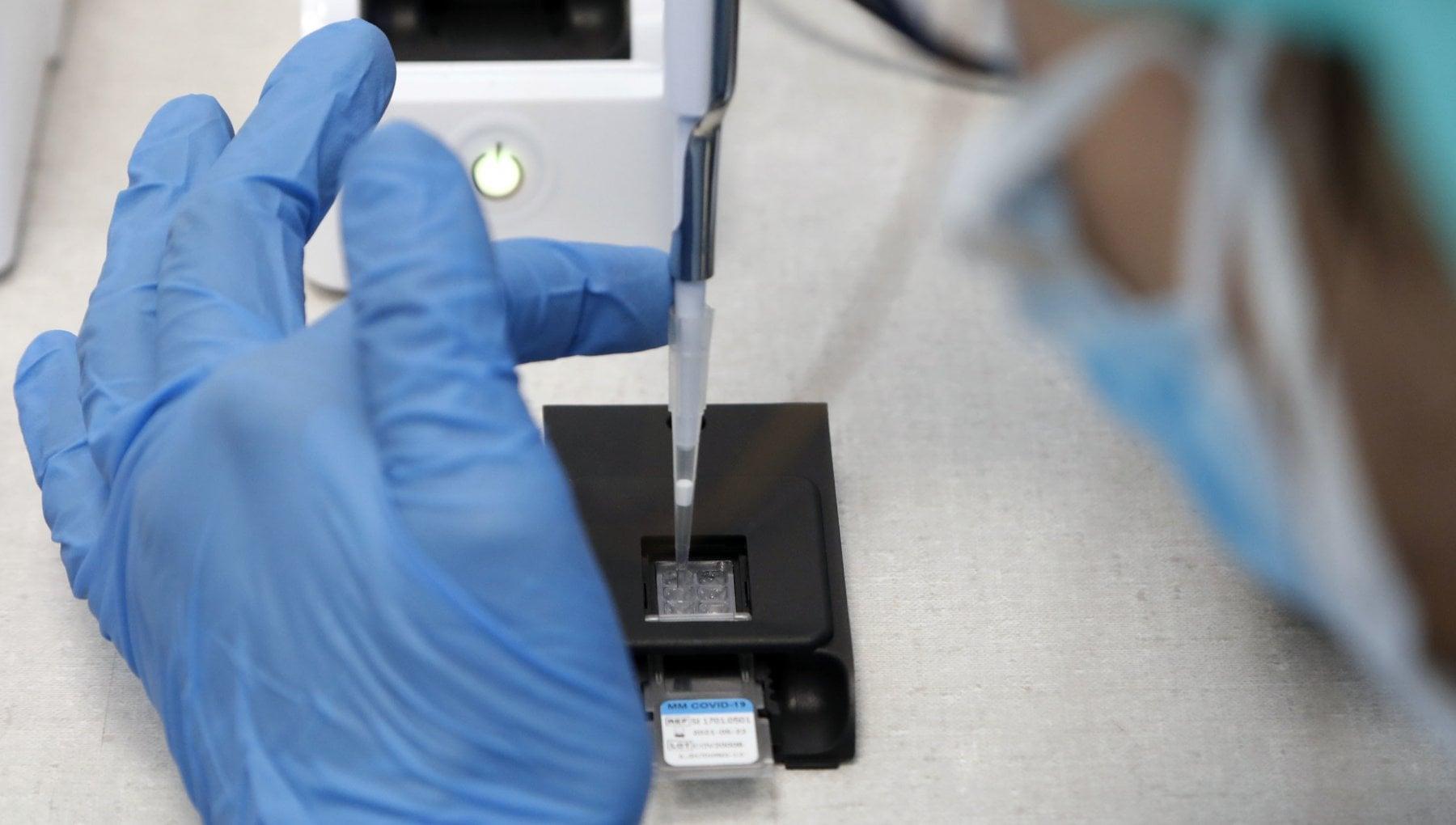 Coronavirus il bollettino di oggi 7 dicembre 13.720 nuovi casi su 111.217 tamponi. I morti sono 528