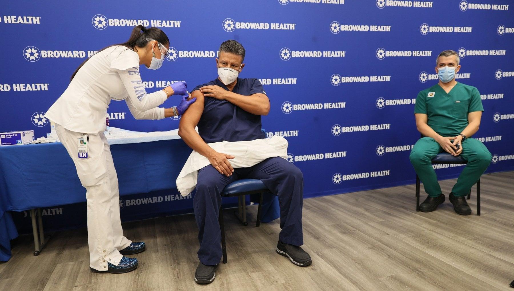 Coronavirus nel mondo negli Usa vaccinate oltre un milione di persone. LIndia supera i 10 milioni di contagi ma pandemia sta rallentando