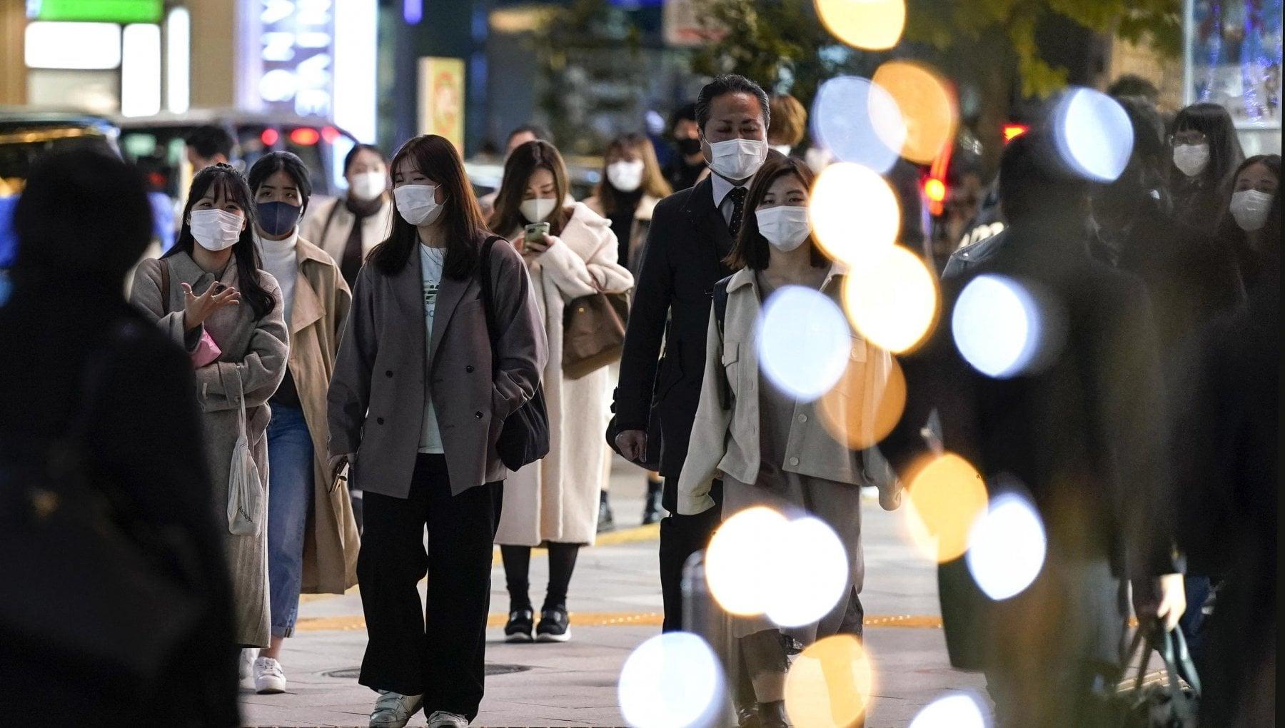 Coronavirus nel mondo tremila morti in un giorno negli Usa record di contagi in sei prefetture del Giappone