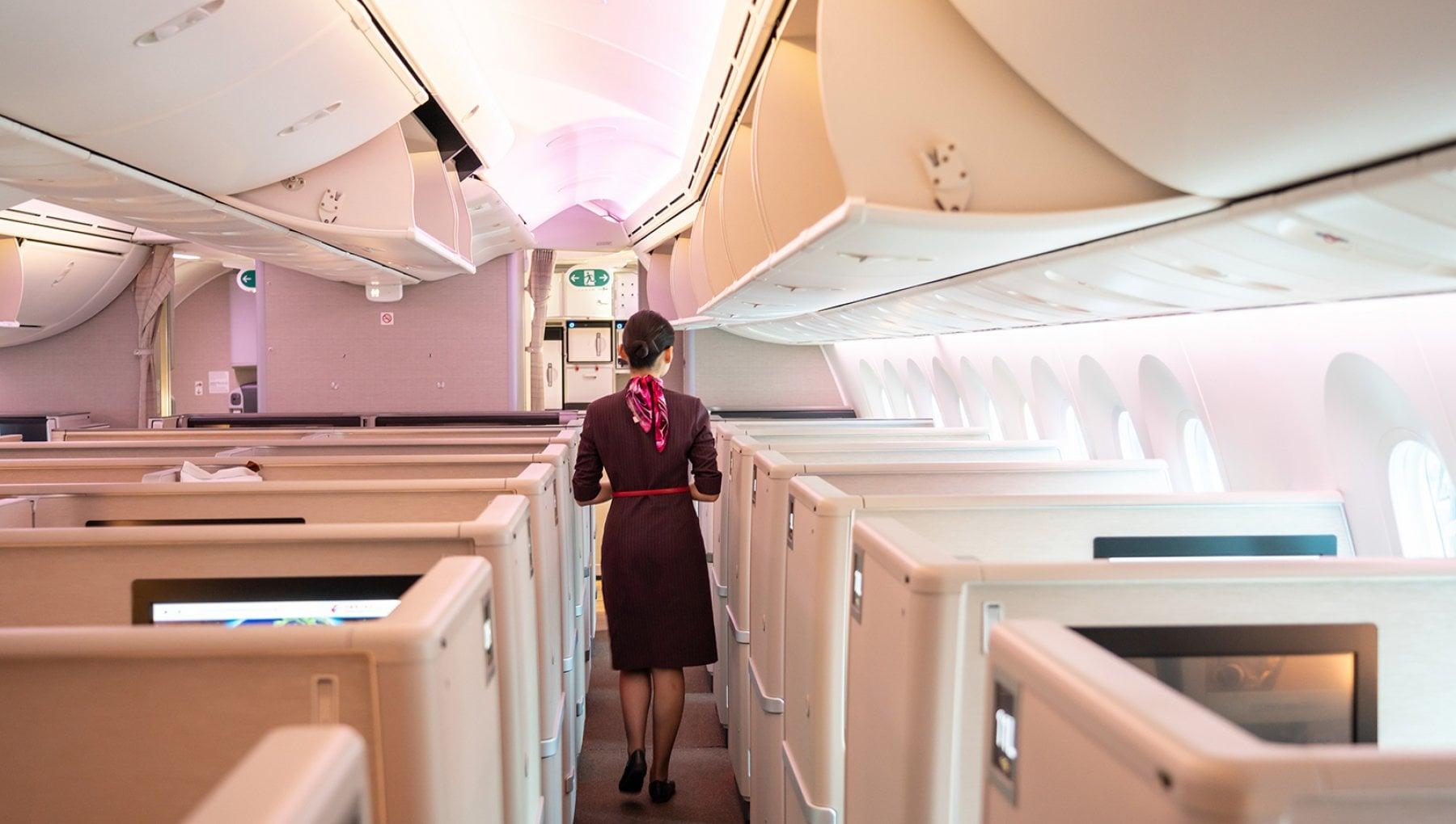 Covid Pechino avvisa hostess e steward Indossate il pannolone nei voli a rischio