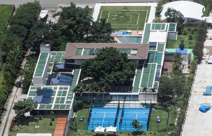Covid inchiesta sulla mega festa nella villa di Neymar