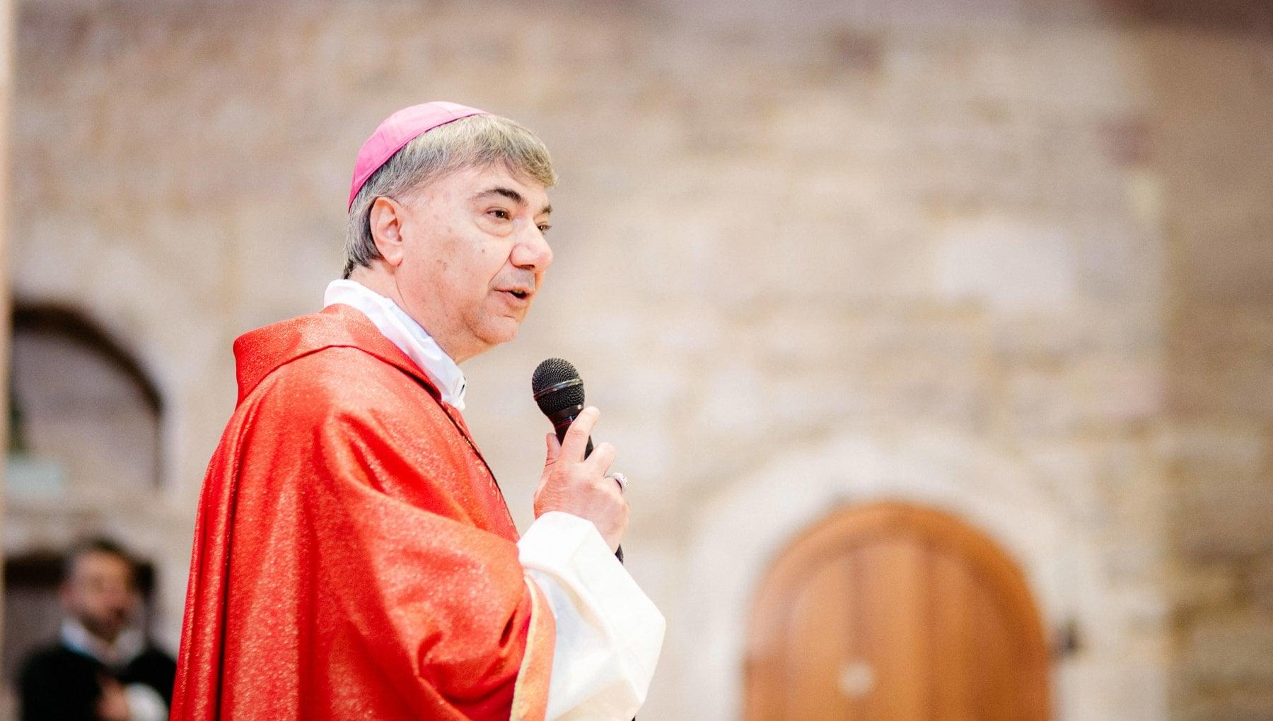 Curia di Napoli Battaglia e il nuovo vescovo