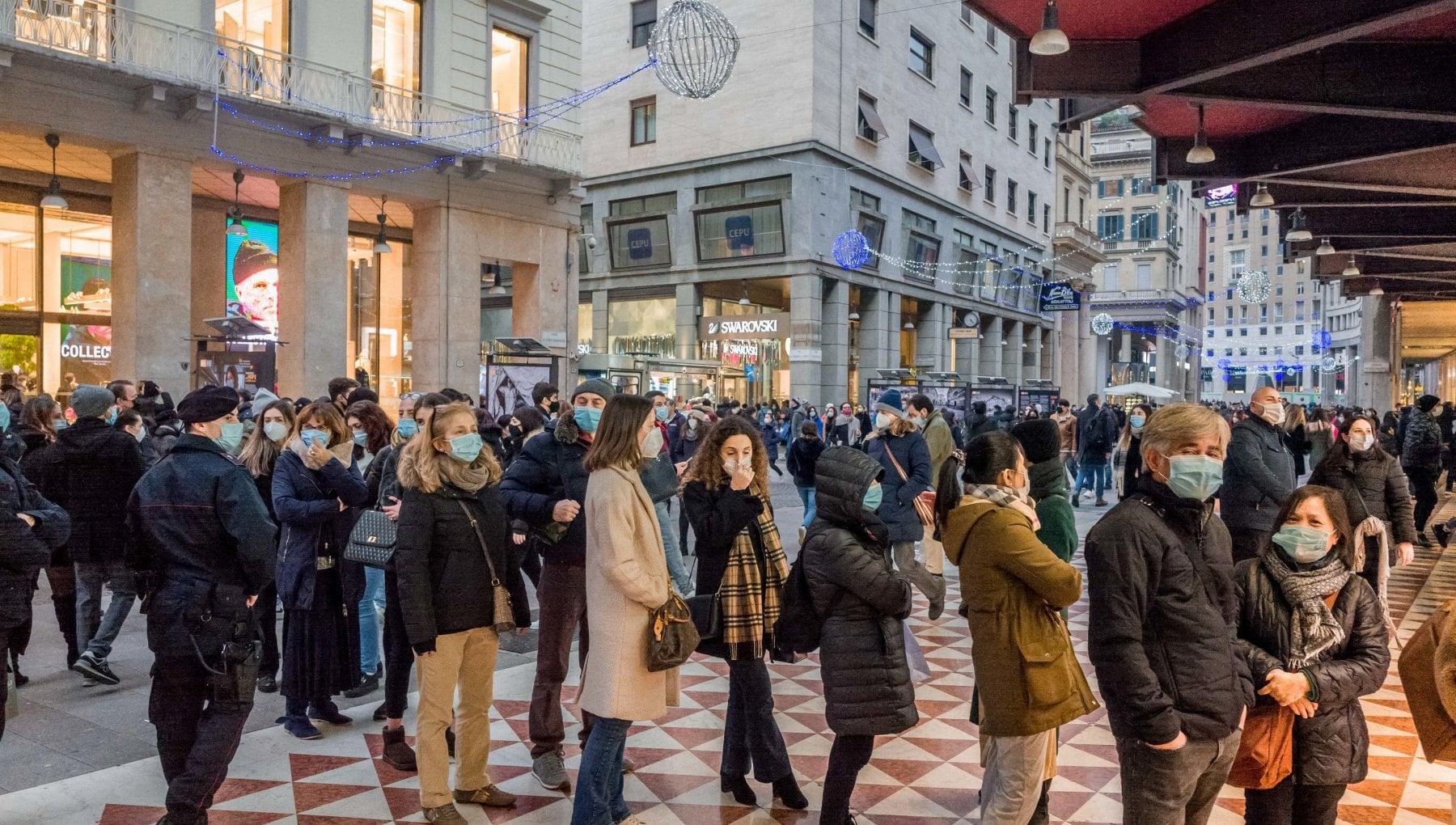 Dal 7 gennaio a Milano i negozi aprono alle 1015. Sala Cosi evitiamo affollamento sui mezzi nelle ore di punta