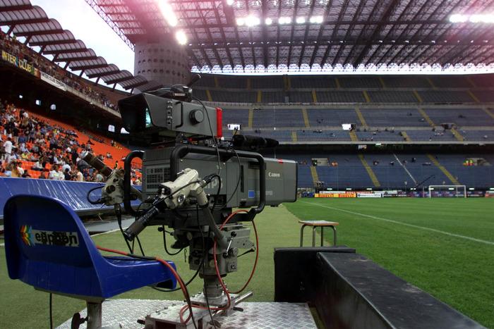 Diritti tv stretta finale Lega A fondi riunione a Firenze