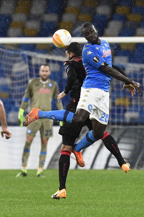 Europa League Napoli pareggia ma si qualifica da primo
