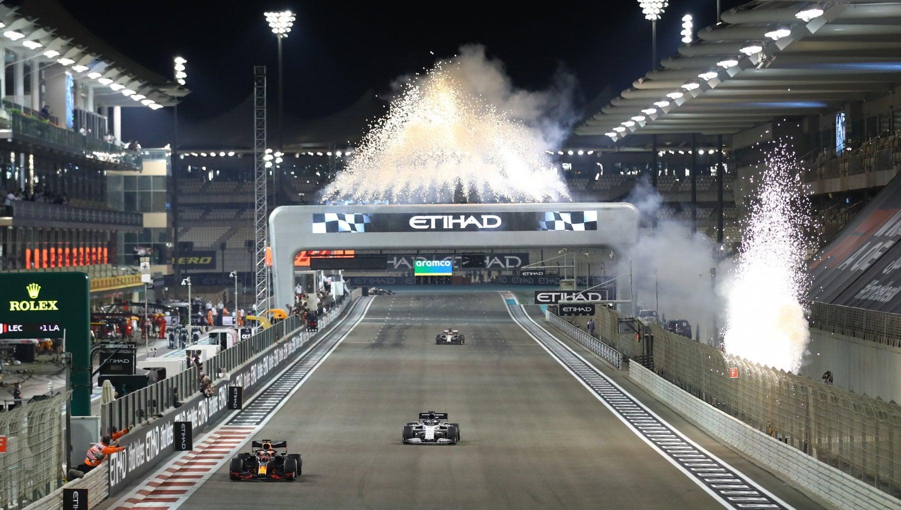 F1 Abu Dhabi domina Verstappen battuti Bottas e Hamilton
