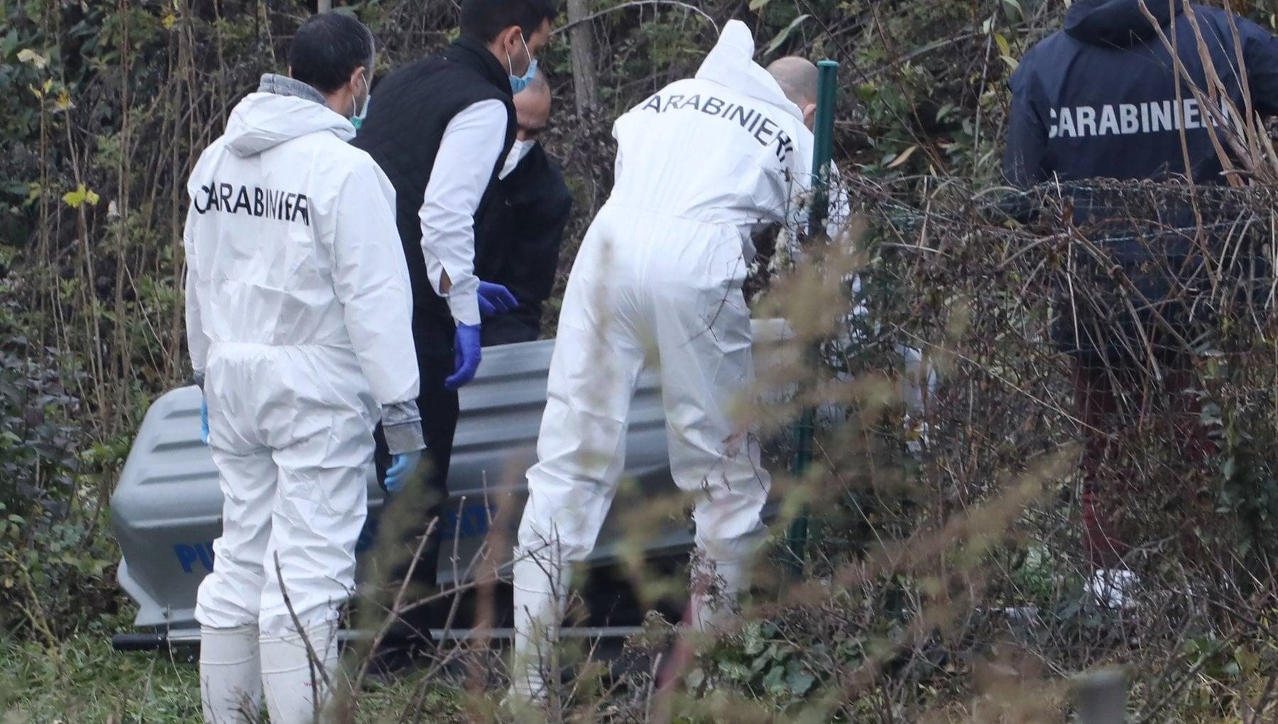 Firenze il giallo dei cadaveri in valigia il figlio delle vittime rintracciato in un carcere svizzero