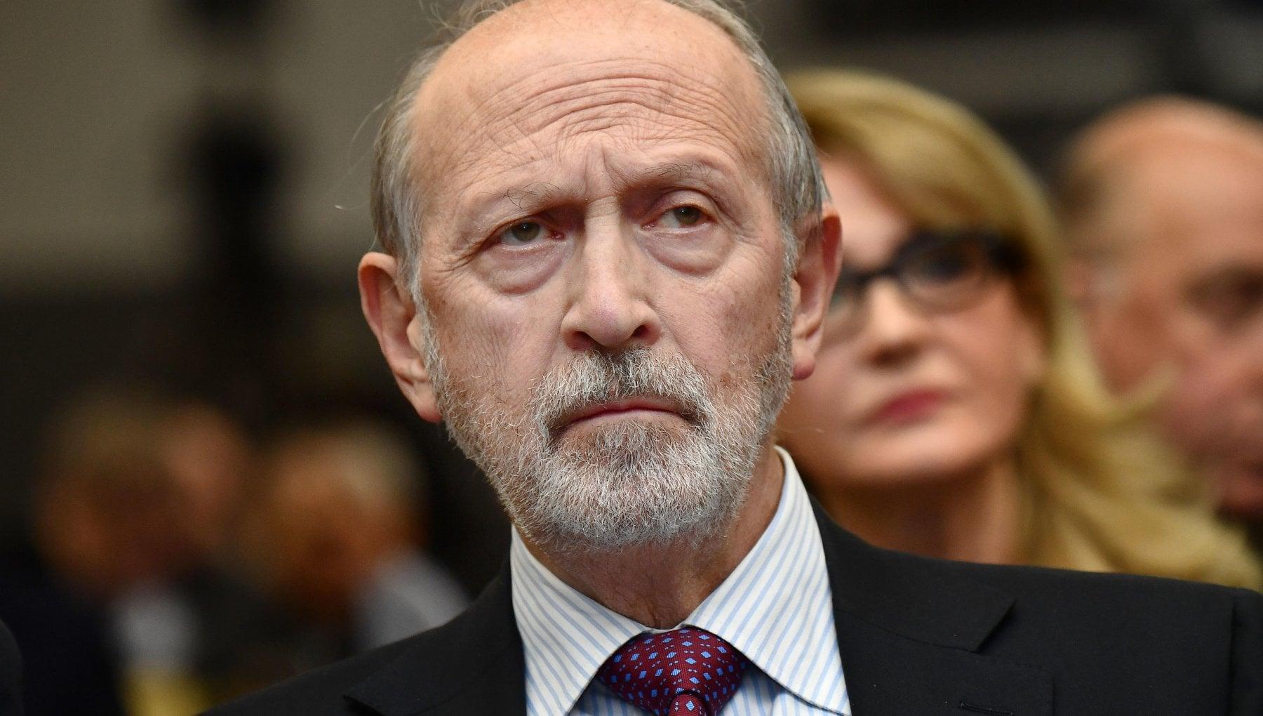 Genova e morto il presidente di Banca Carige Vincenzo Calandra