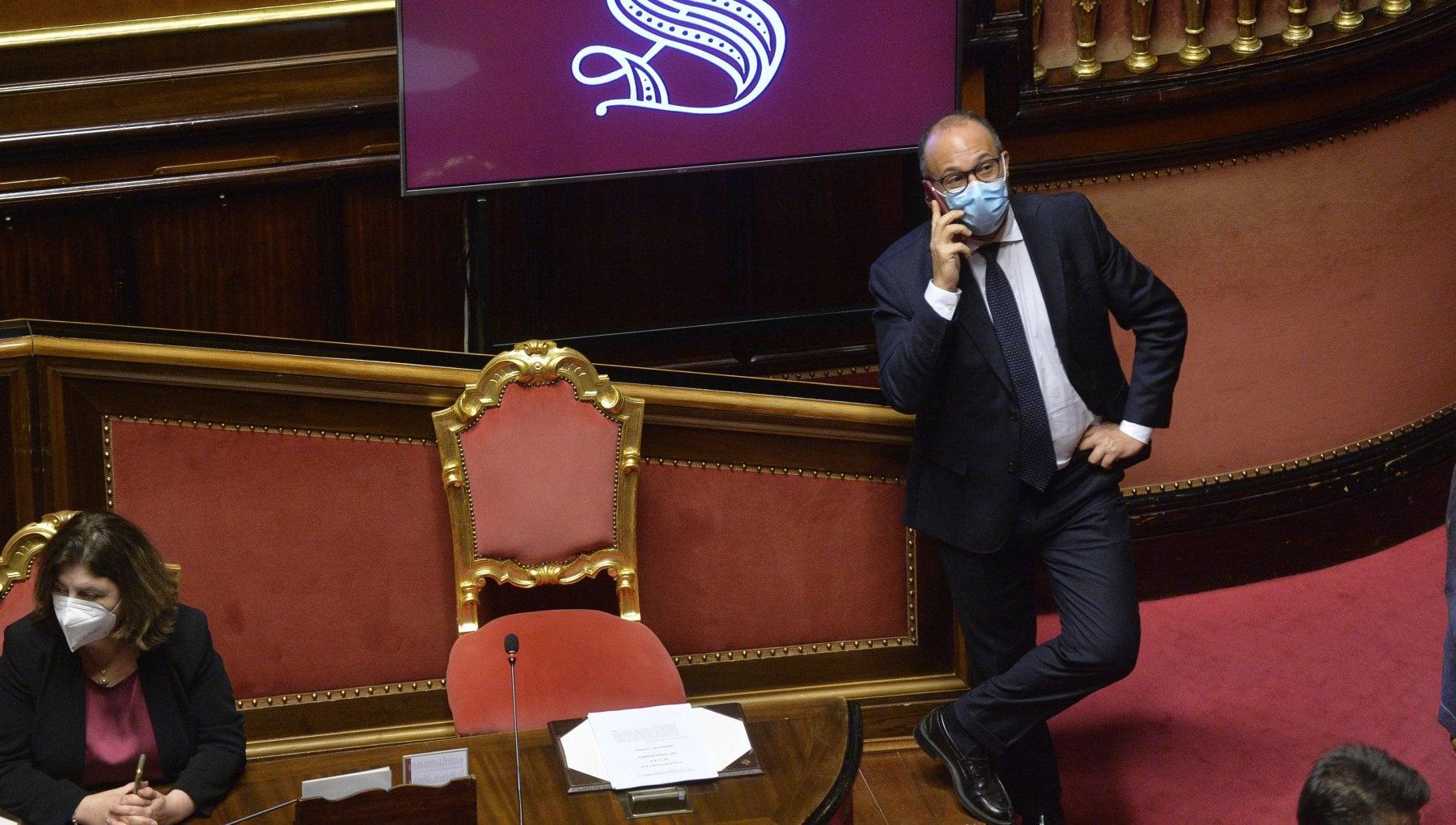 Governo i gruppi renziani temono il voto anticipato. Faraone a Franceschini Ha fatto chiudere i musei e ora invoca le urne