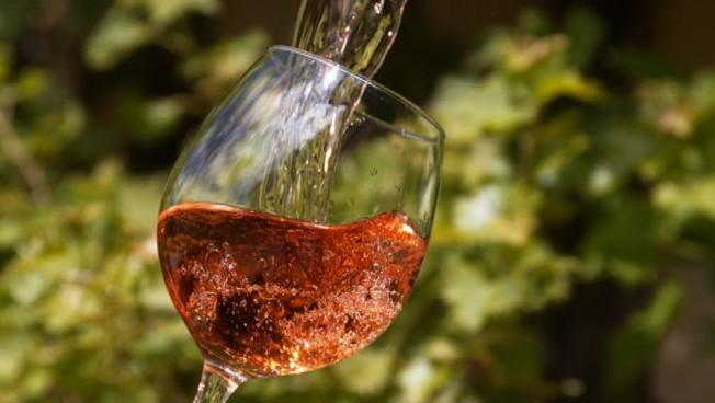 Il vino italiano eccellenza da sostenere per Intesa Sanpaolo