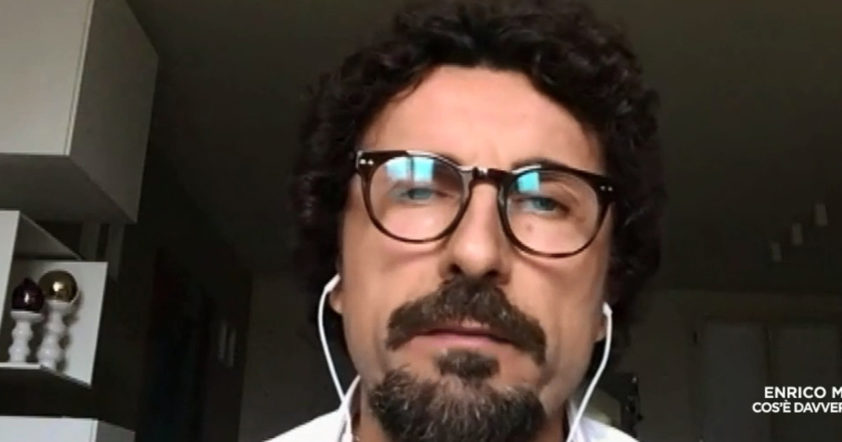 Il virus e piu intelligente di lui. Toninelli contro Salvini Come si auto umilia in tv Video