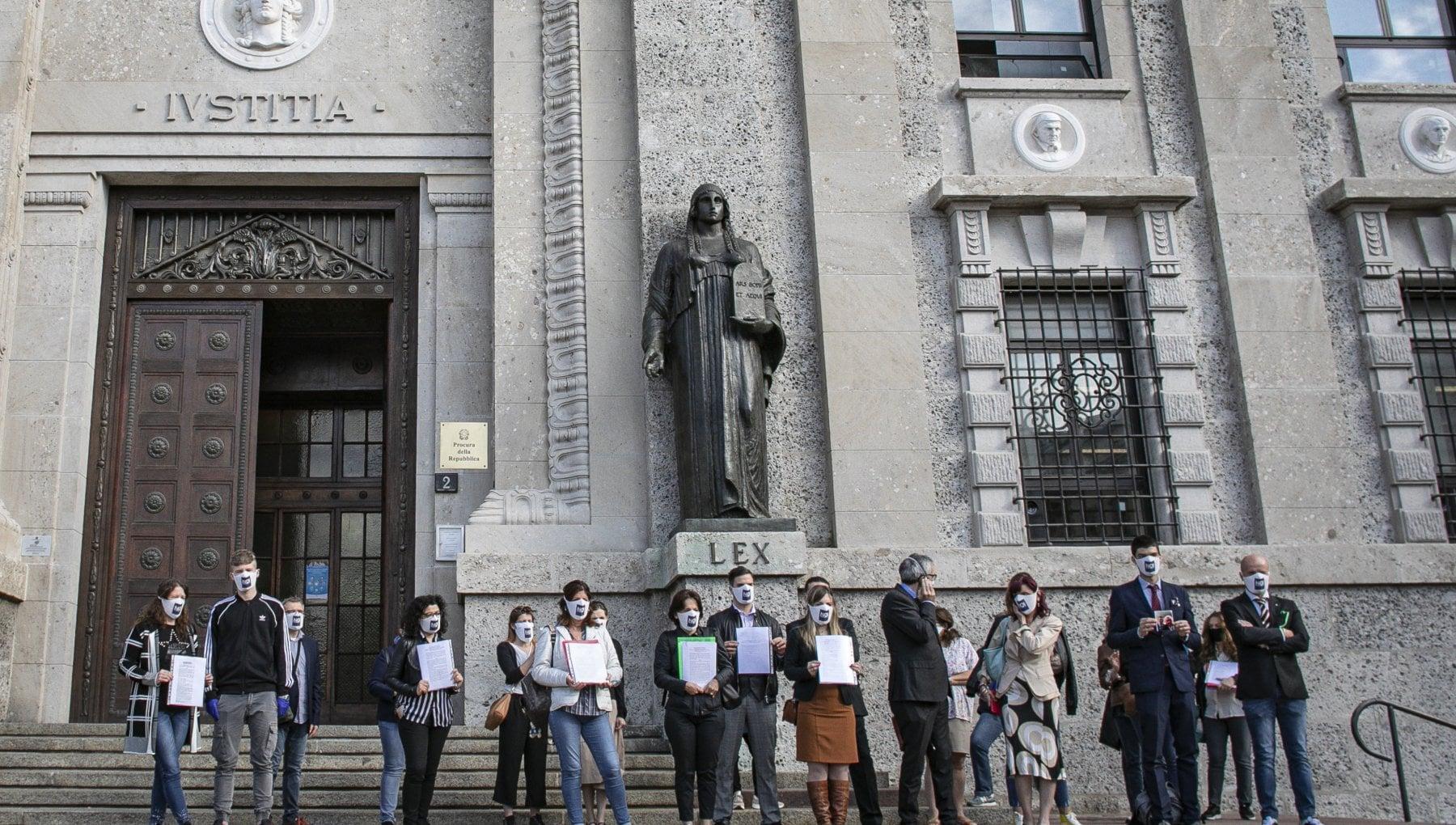 Inchiesta di Bergamo sui morti Covid il Comune si schiera con i parenti delle vittime e si costituisce come parte offesa