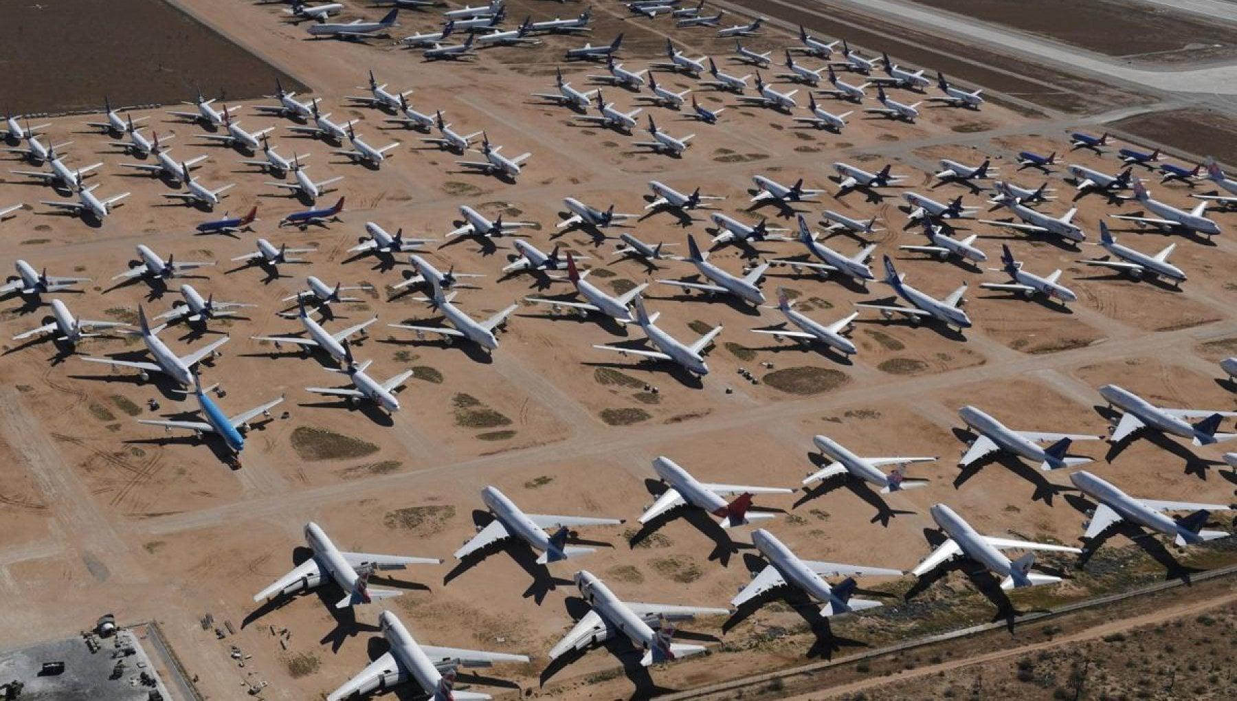 Insetti nei tubi spie guaste piloti arrugginiti una mare di guai per gli aerei che tornano a volare