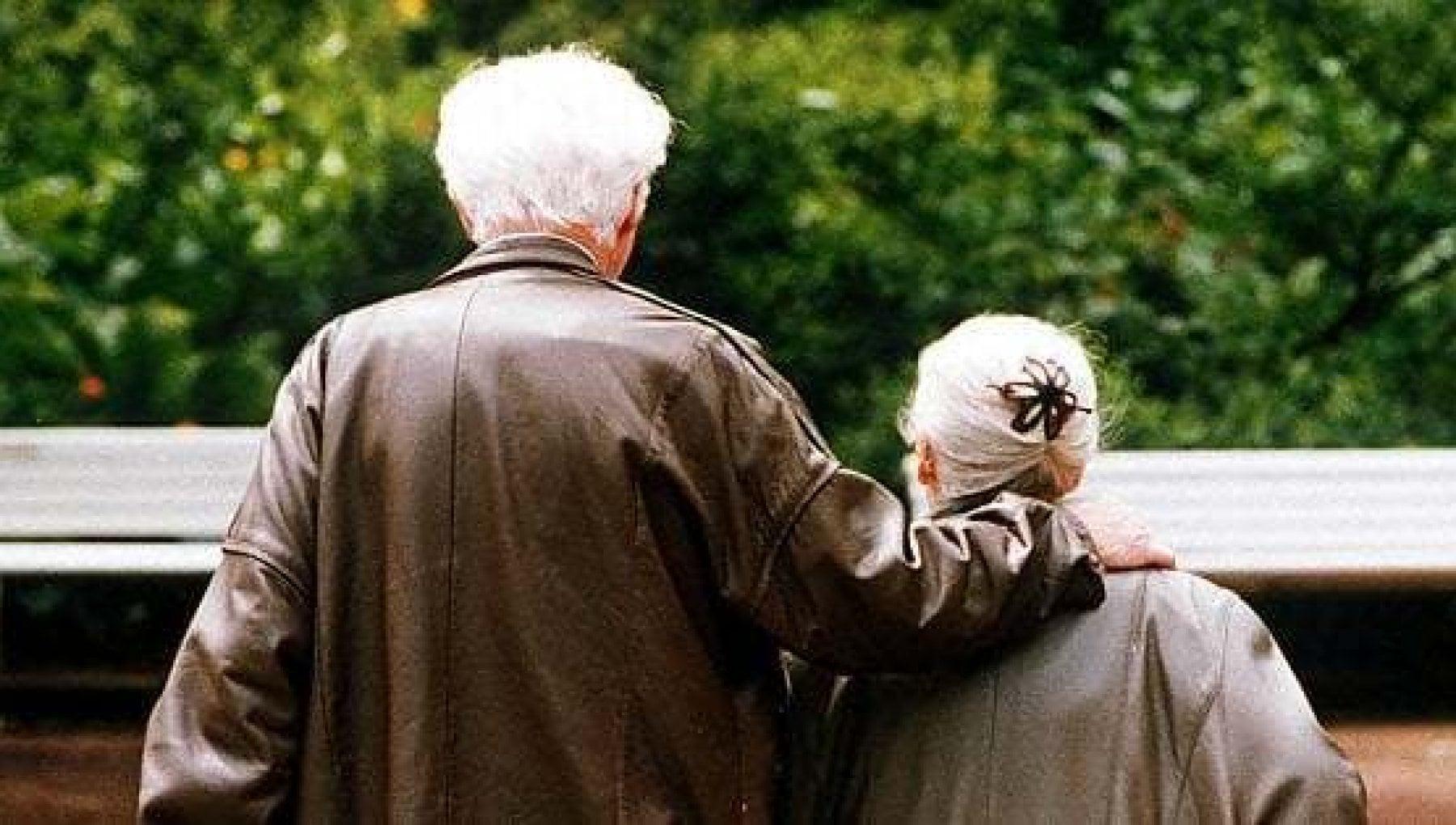 Istat Italia paese sempre piu vecchio cinque anziani ogni bambino