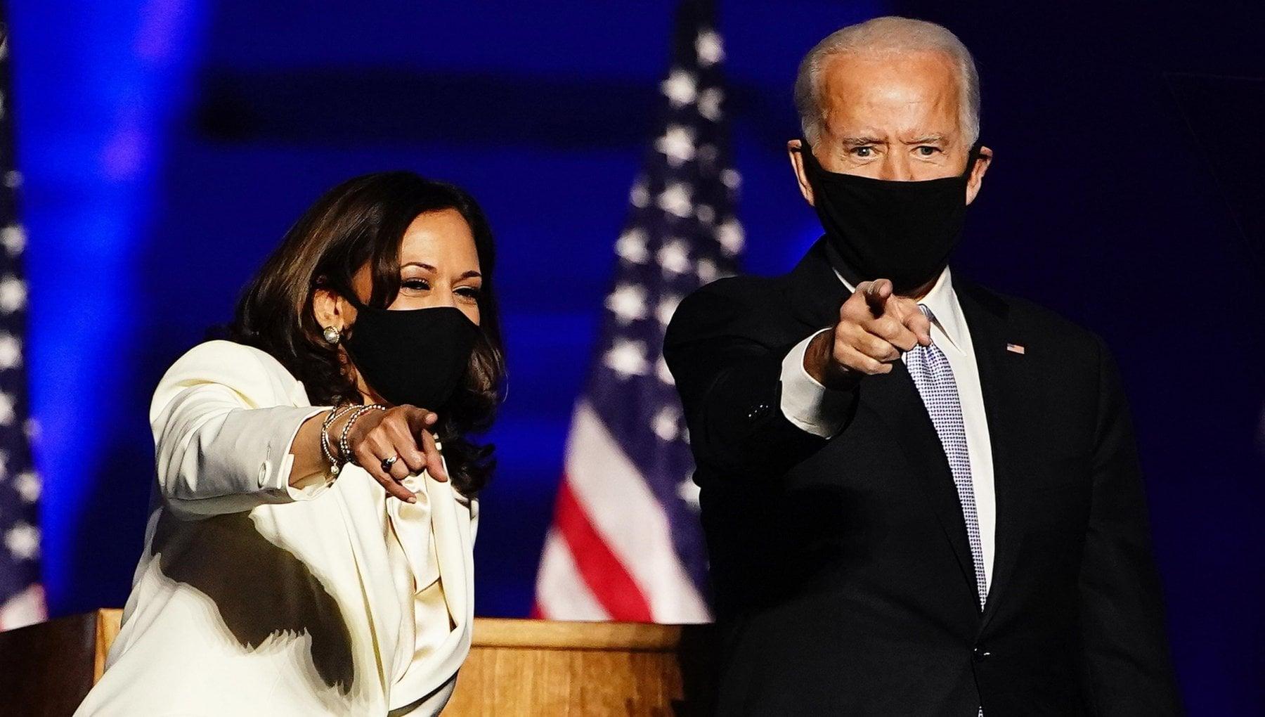 Joe Biden e Kamala Harris Persone dellanno a loro e dedicata la copertina del Time