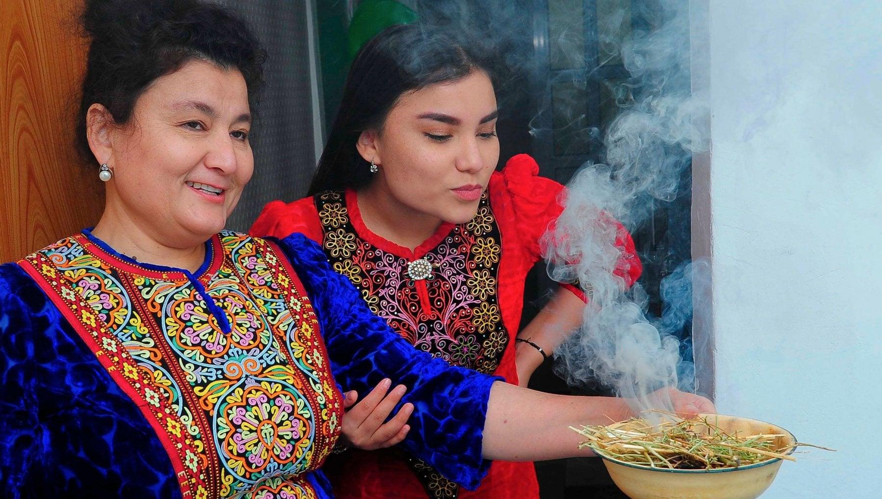 La cura per il Covid secondo il presidente del Turkmenistan la liquirizia