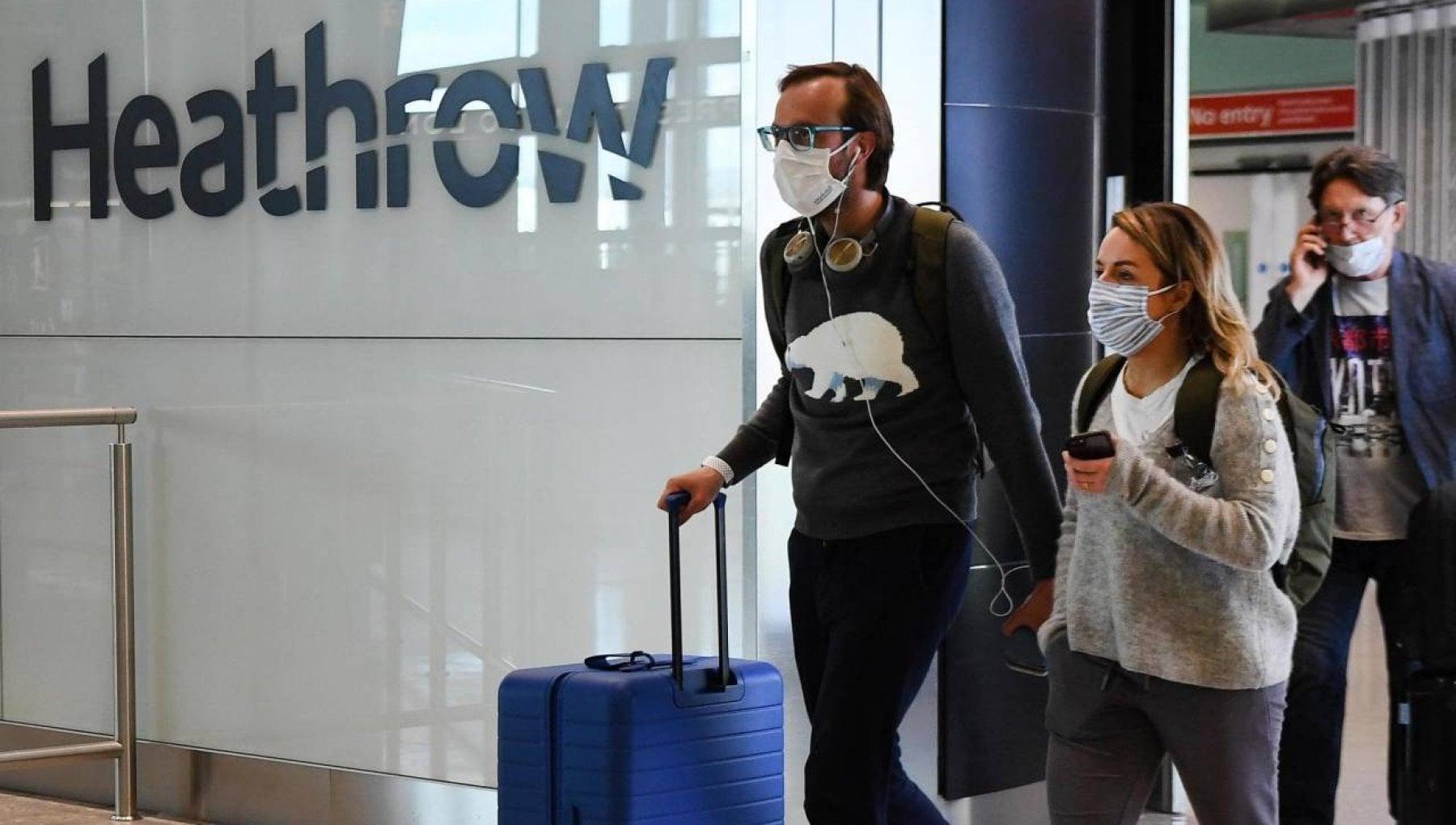 La disperazione degli italiani dopo il blocco dei voli Noi prigionieri negli aeroporti di Londra
