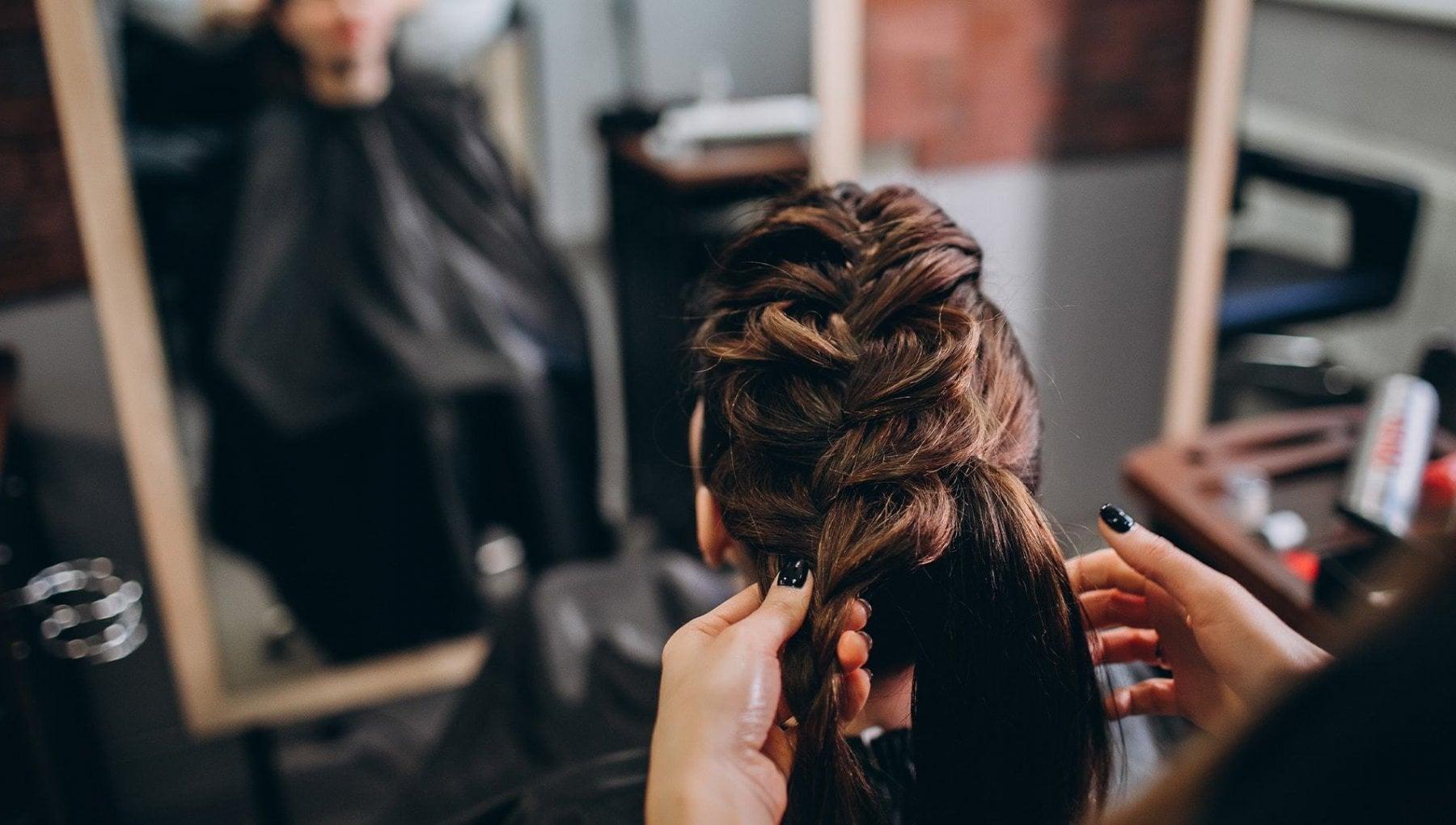 La hair stylist trans rifiutata da tutti i saloni Discriminata per quel che sono