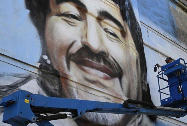 La pizza a cena un passaggio in bagno allalba e poi il silenzio le ultime ore di Maradona