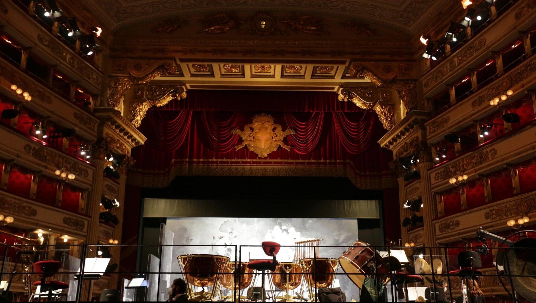 La prima della Scala. Con lInno di Mameli si torna A riveder le stelle