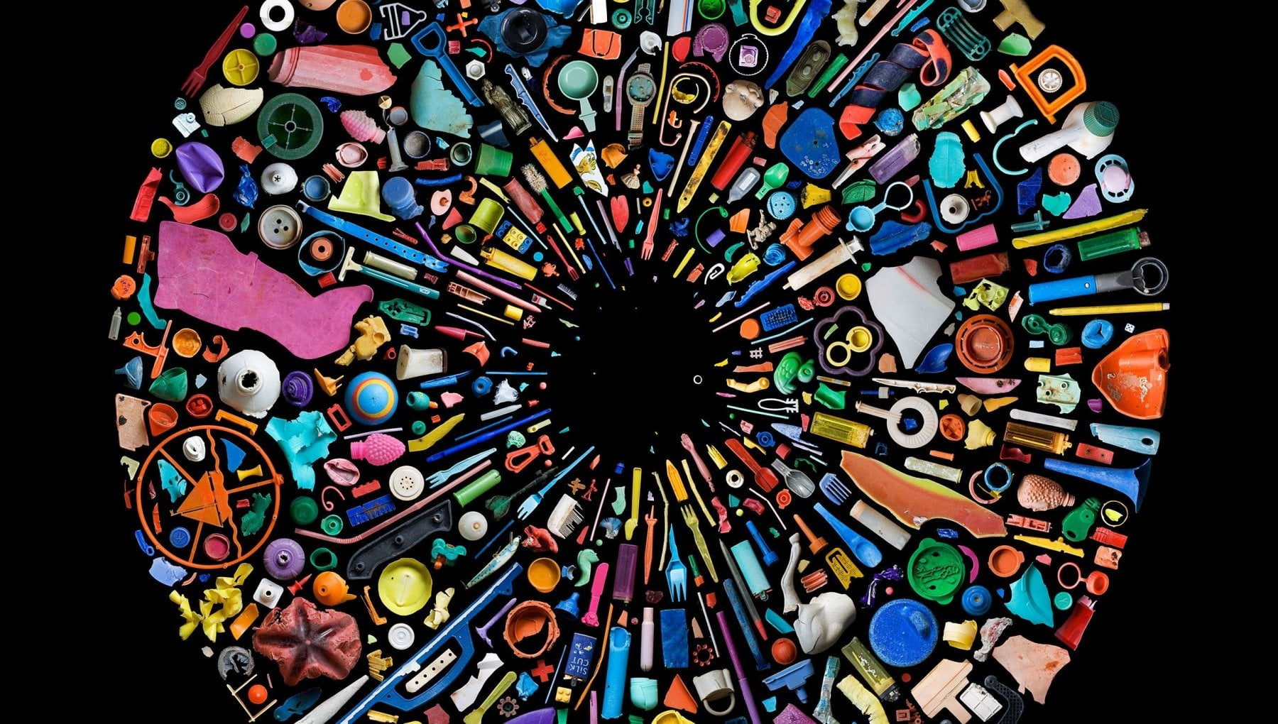 Mandy Barker Io artista della plastica in difesa del pianeta
