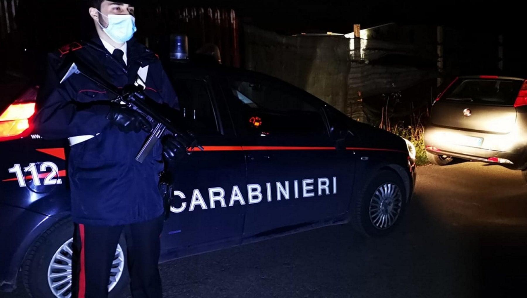 Marito e moglie uccisi a fucilate mentre raccoglievano le olive