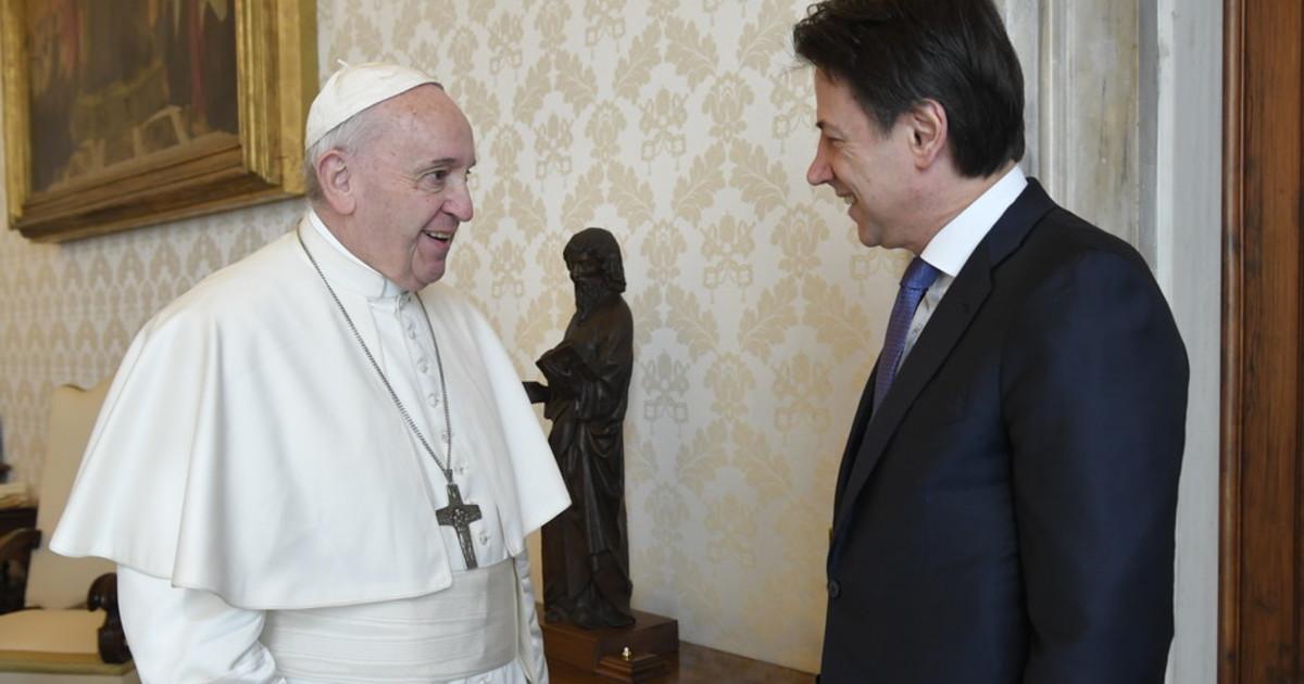 Messe No ecco a cosa pensa Papa Francesco. Becchi un siluro politico sul Vaticano