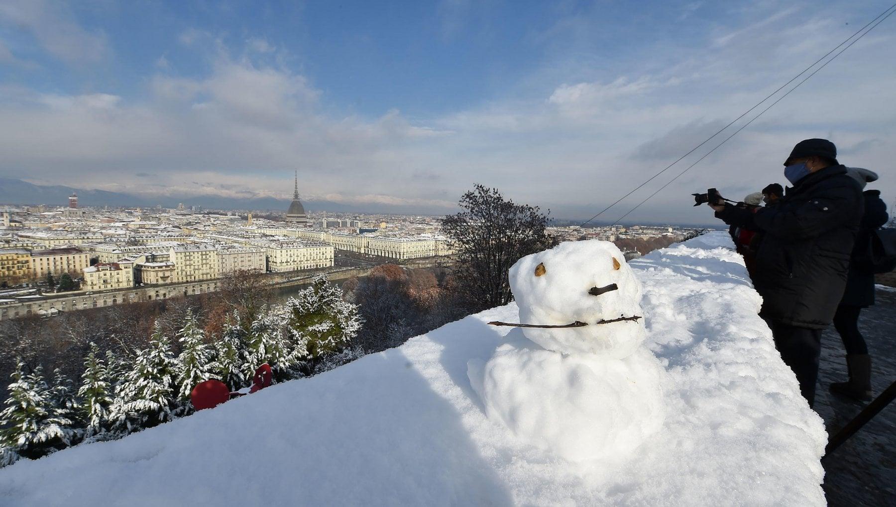 Meteo tregua di San Silvestro ma a Capodanno torna la neve a bassa quota