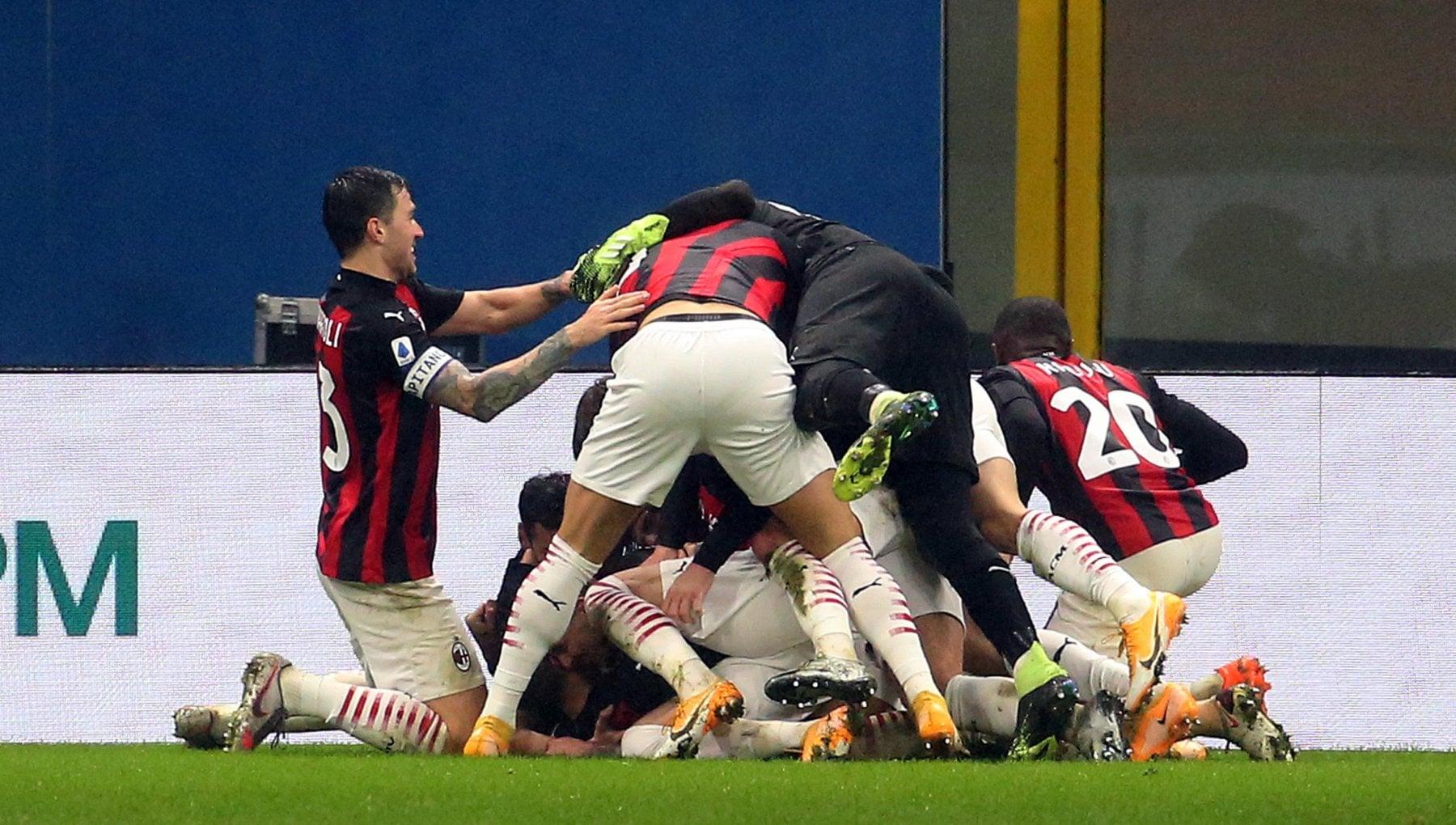 Milan Lazio 3 2 Theo Hernandez allultimo respiro i rossoneri restano in vetta