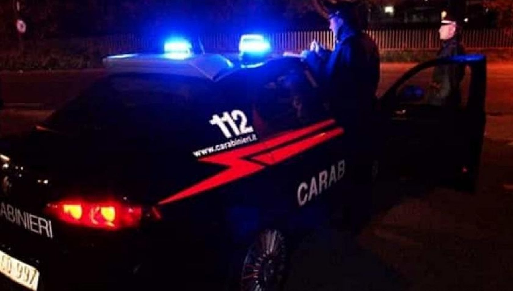 Milano uomo ucciso a coltellate in zona Stazione Centrale. Forse aggredito per rapina