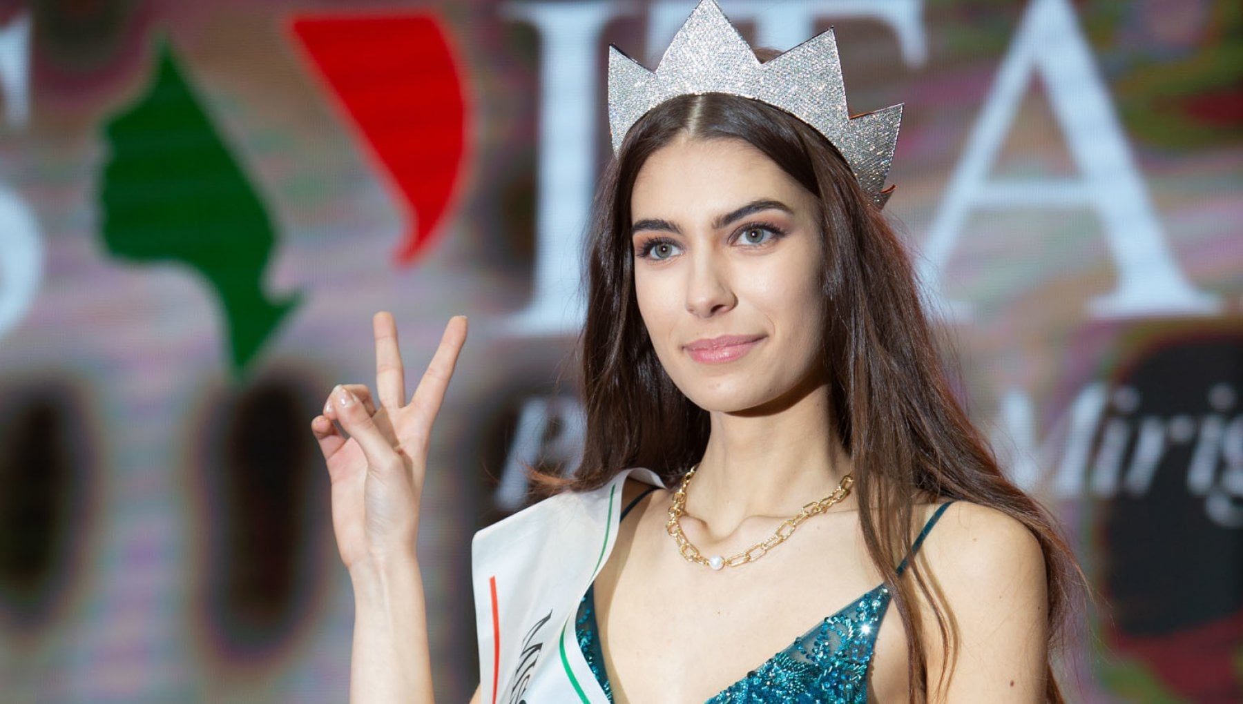 Miss Italia vince Martina Sambucini la corona torna nella Capitale dopo 27 anni