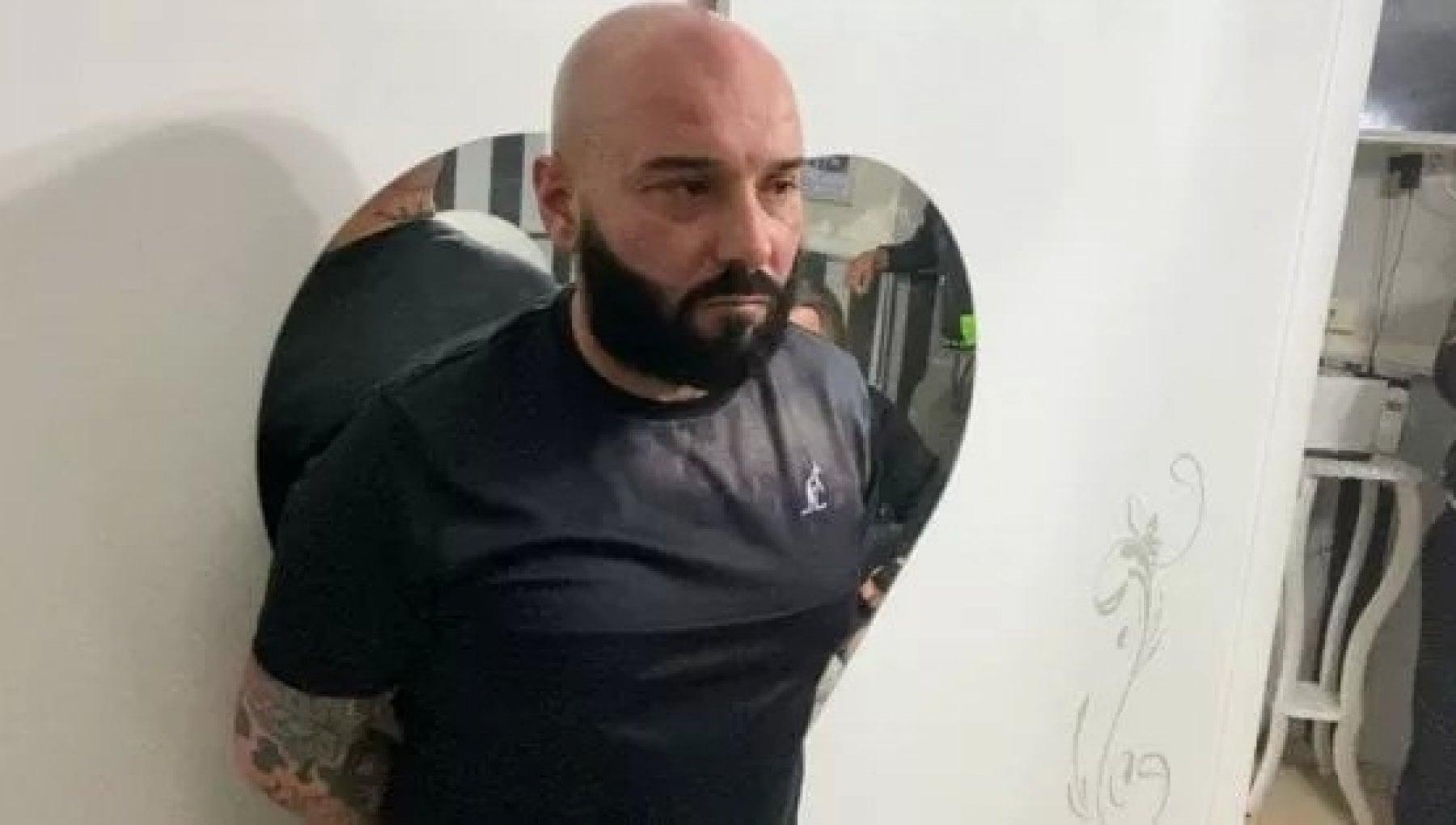 Napoli agguato nella notte ucciso il padre di Luigi Caiafa il 17enne morto a ottobre in un conflitto a fuoco con la polizia