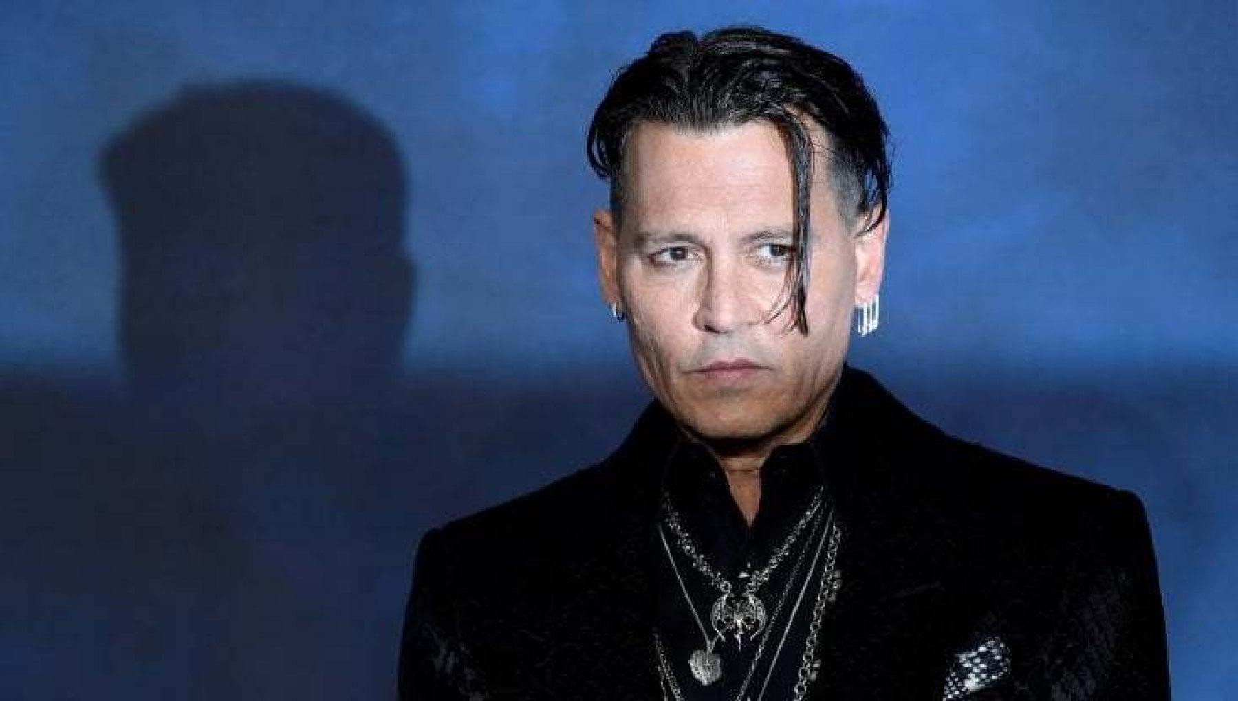 Netflix Usa e Australia tolgono i film con Johnny Depp dal catalogo. Rivolta dei fan