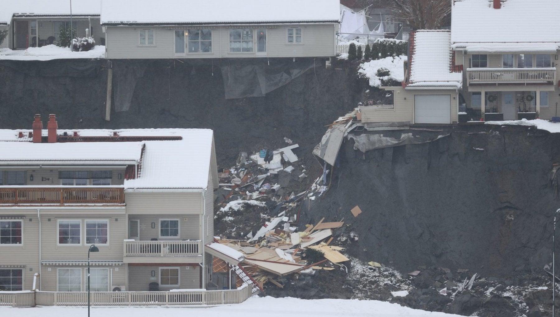 Norvegia frana travolge villaggio feriti e dispersi