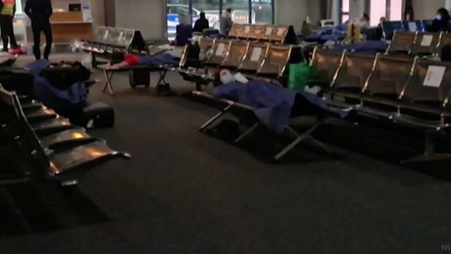 Notte nello scalo di Hannover per 63 passeggeri dal Regno Unito