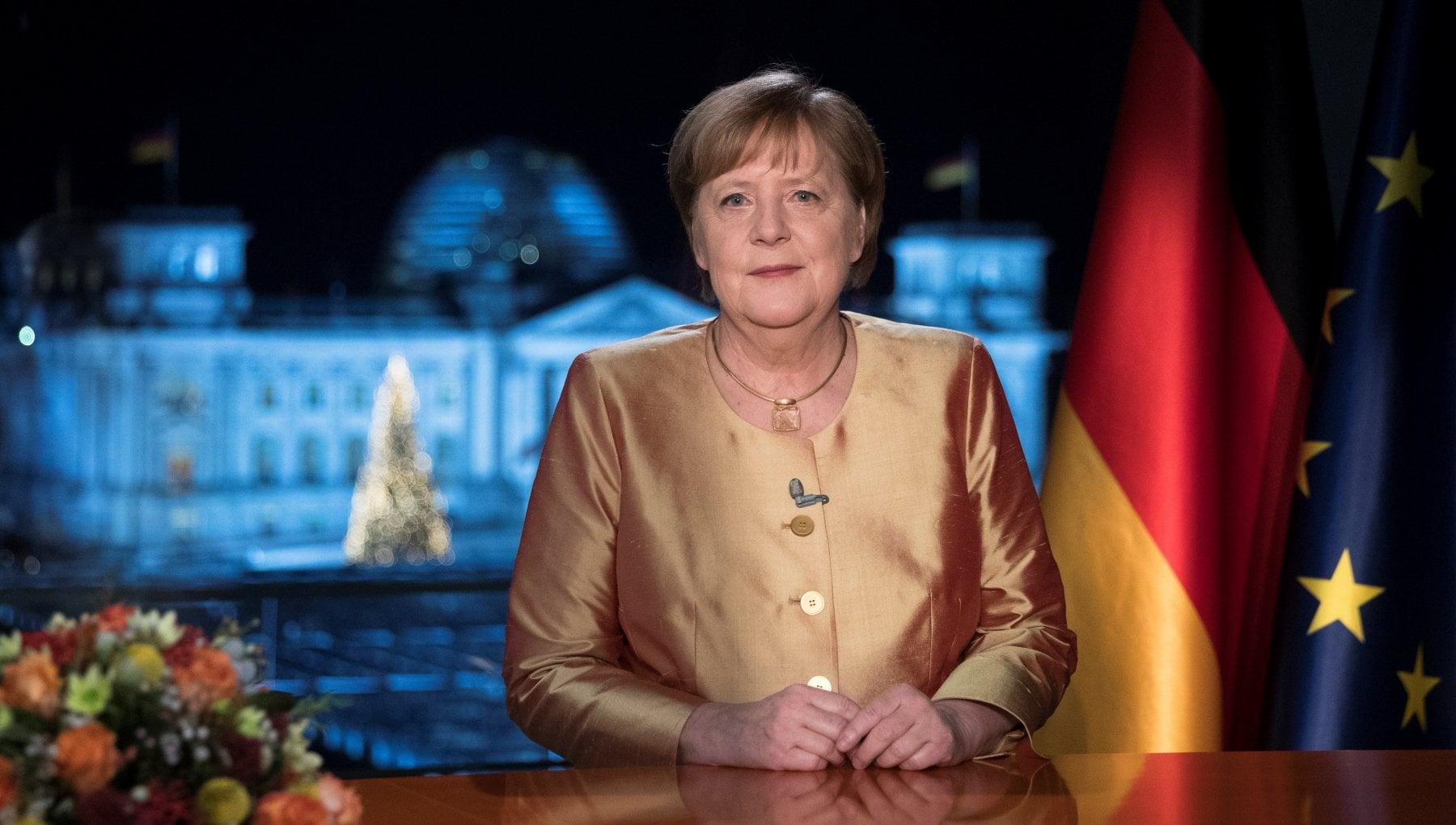Pandemia vaccini ma anche Brexit nei discorsi di Merkel Macron e Johnson