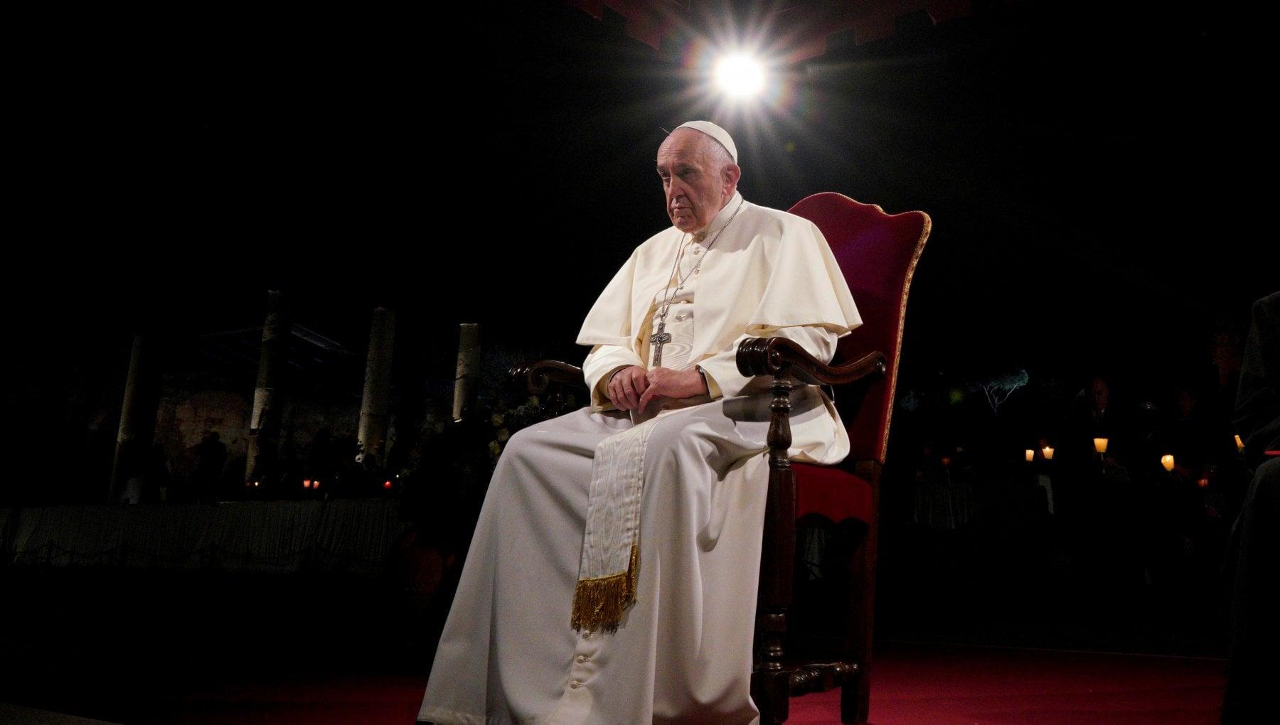 Papa Francesco non sta bene niente messa di Capodanno e Te Deum Dolorosa sciatalgia