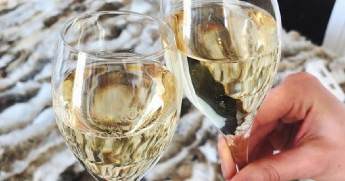 Per le feste 16 miliardi di brindisi con bollicine italiane nel mondo